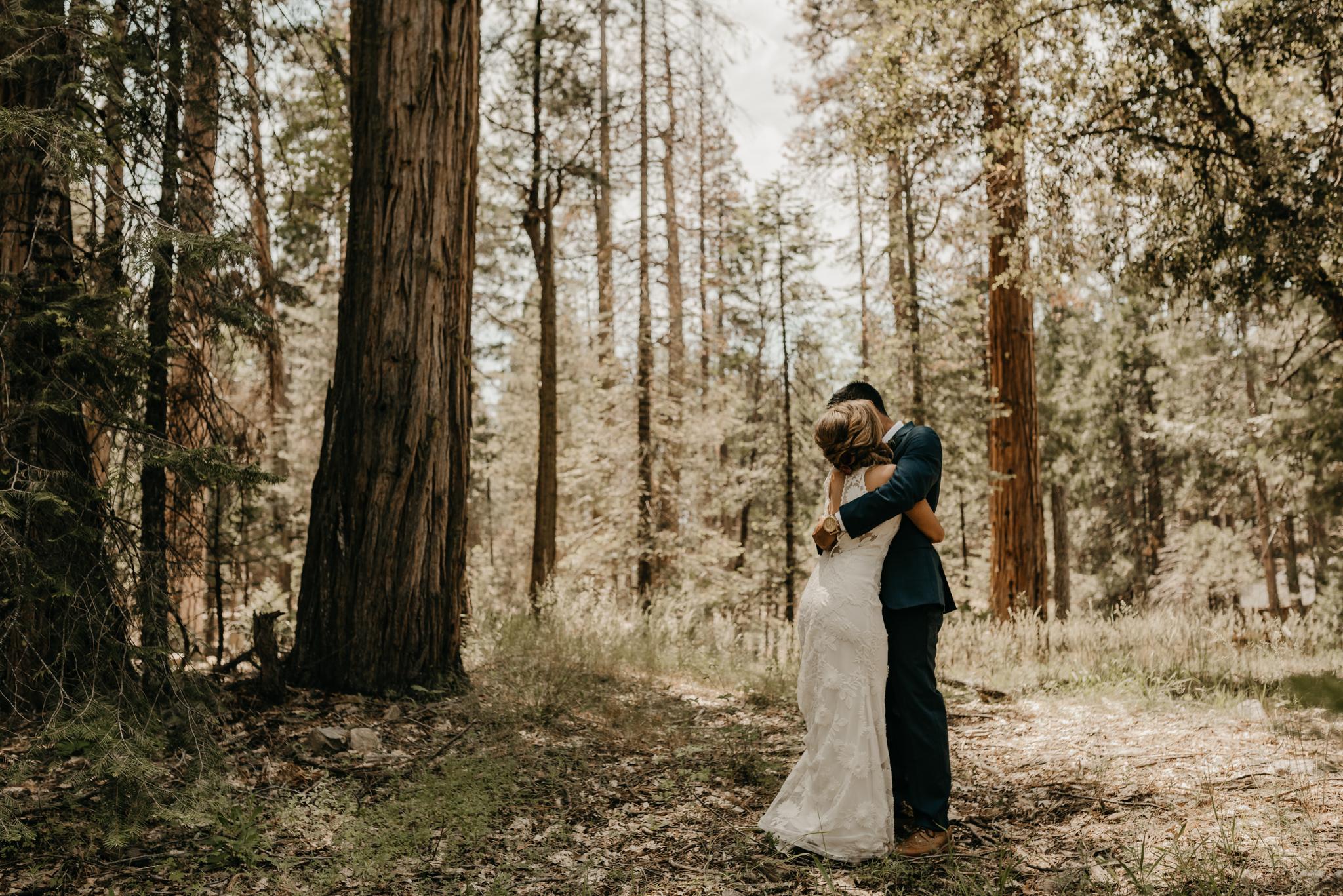 © Isaiah + Taylor Photography - Evergreen Lodge Destination Yoesmite Wedding - Los Angeles Wedding Photographer-073.jpg