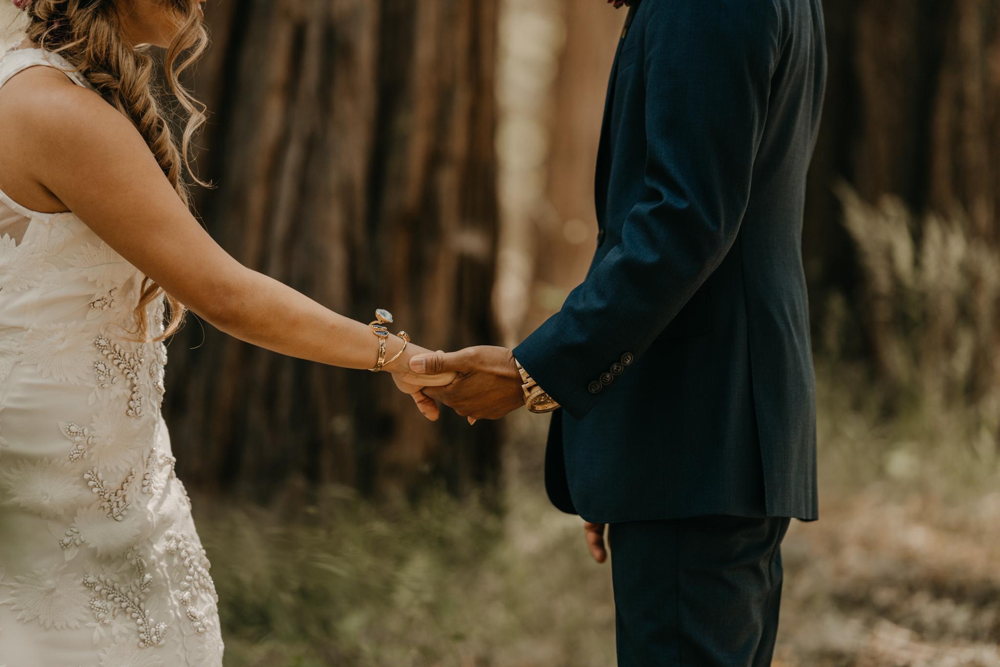 © Isaiah + Taylor Photography - Evergreen Lodge Destination Yoesmite Wedding - Los Angeles Wedding Photographer-075.jpg
