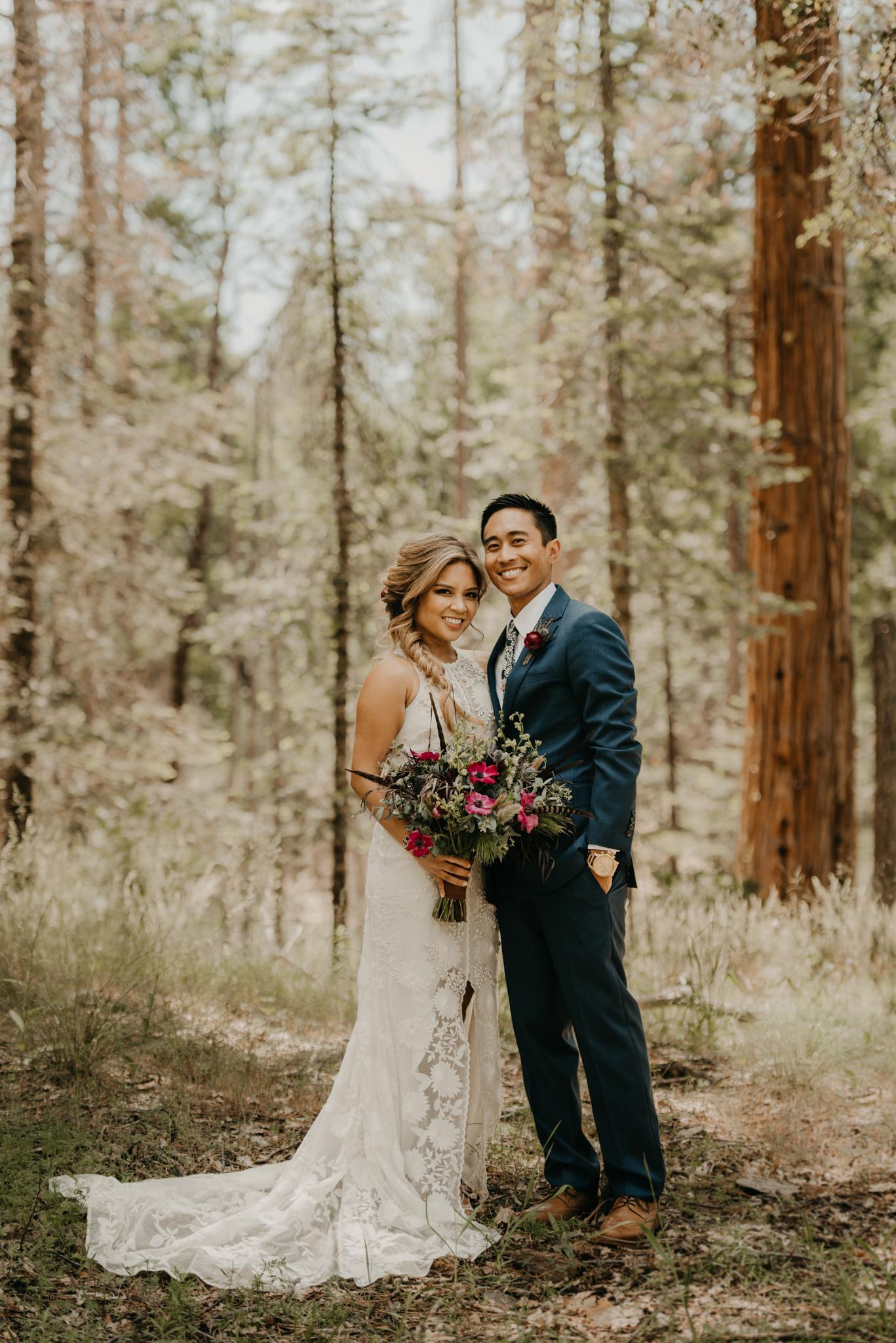 © Isaiah + Taylor Photography - Evergreen Lodge Destination Yoesmite Wedding - Los Angeles Wedding Photographer-076.jpg