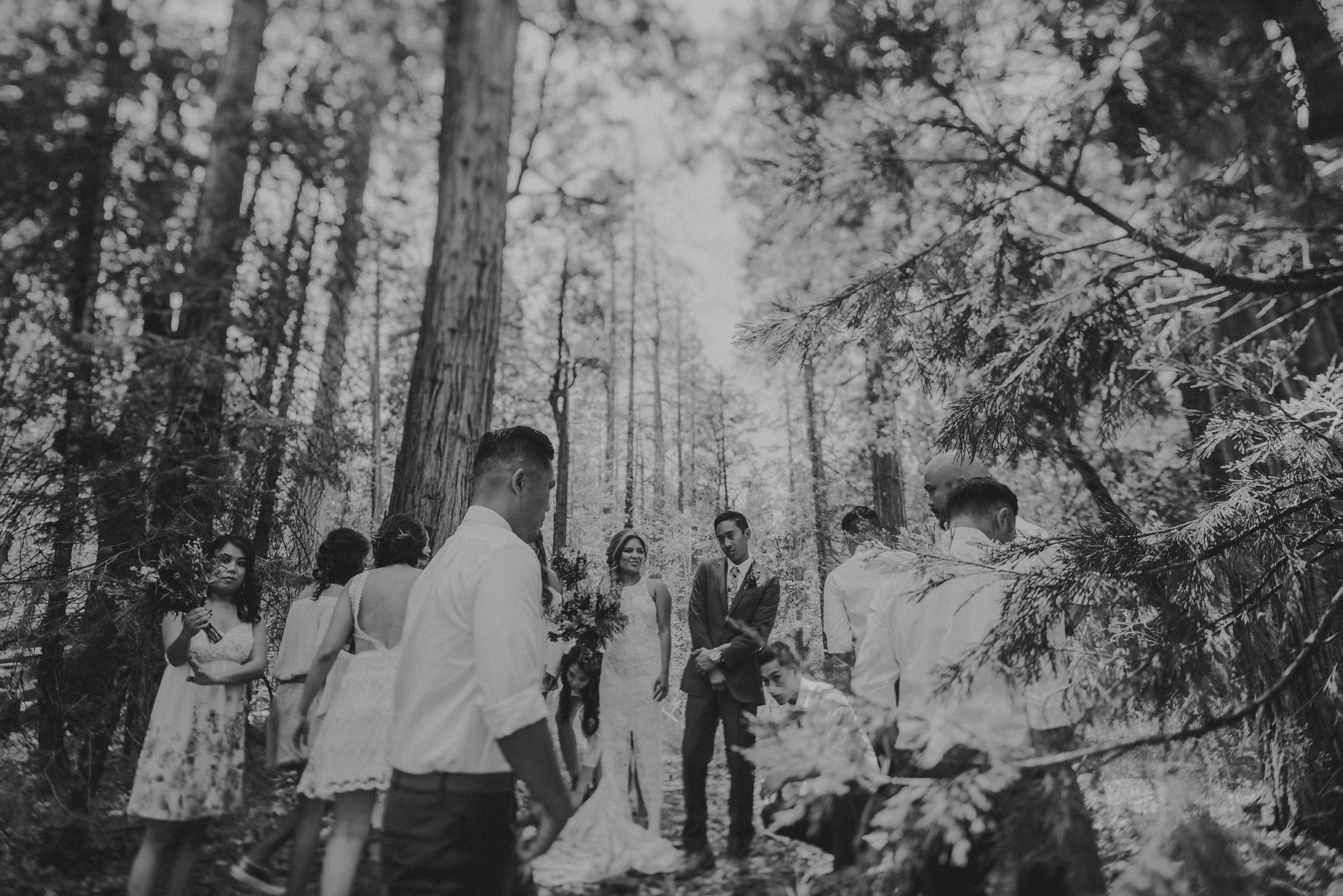 © Isaiah + Taylor Photography - Evergreen Lodge Destination Yoesmite Wedding - Los Angeles Wedding Photographer-090.jpg