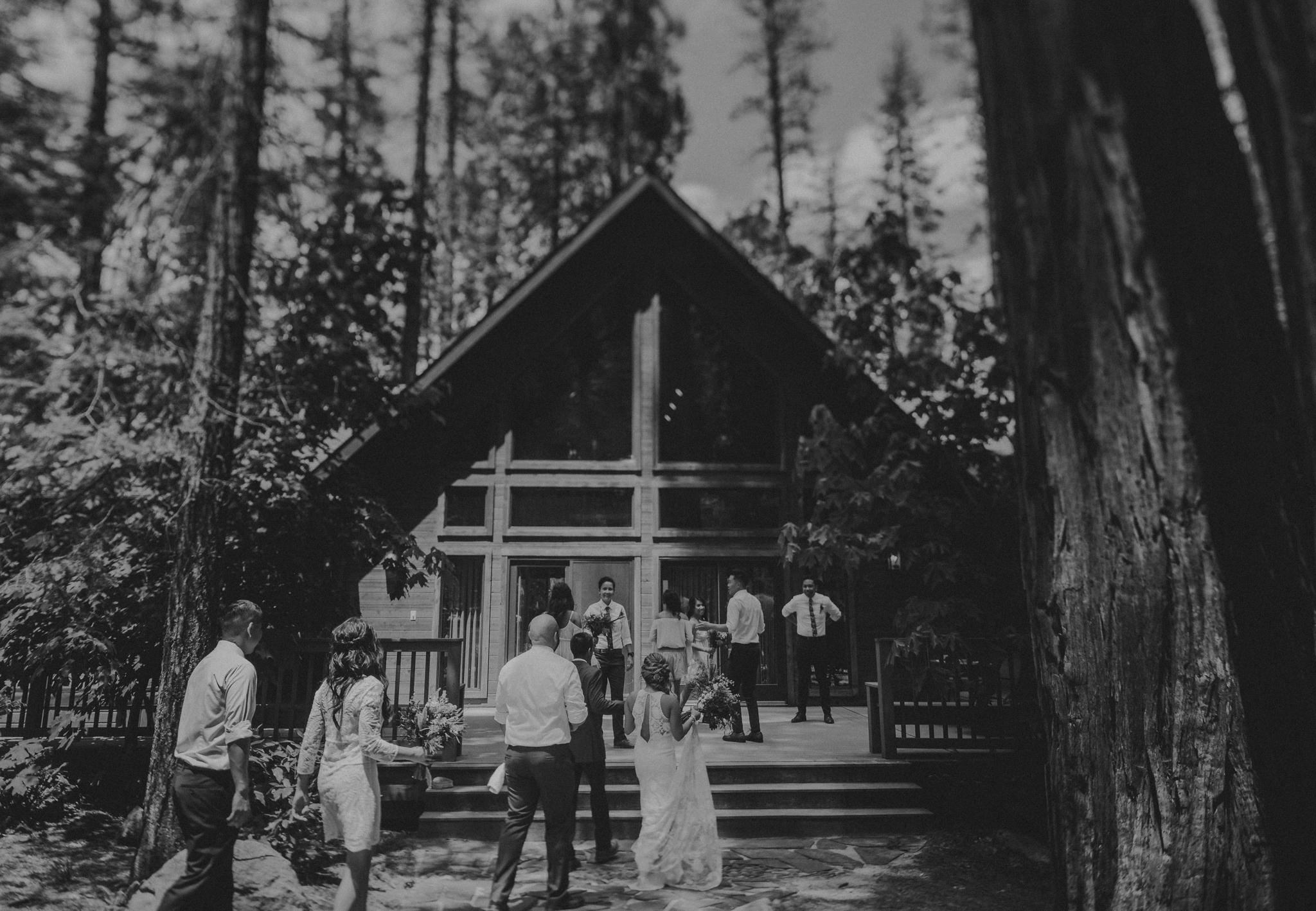 © Isaiah + Taylor Photography - Evergreen Lodge Destination Yoesmite Wedding - Los Angeles Wedding Photographer-097.jpg