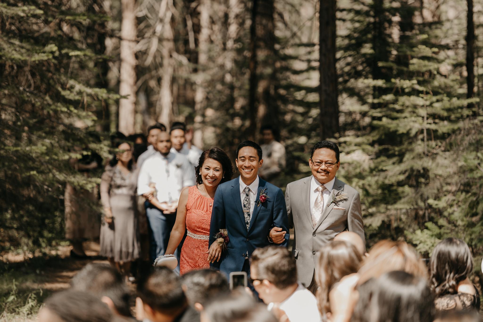 © Isaiah + Taylor Photography - Evergreen Lodge Destination Yoesmite Wedding - Los Angeles Wedding Photographer-104.jpg
