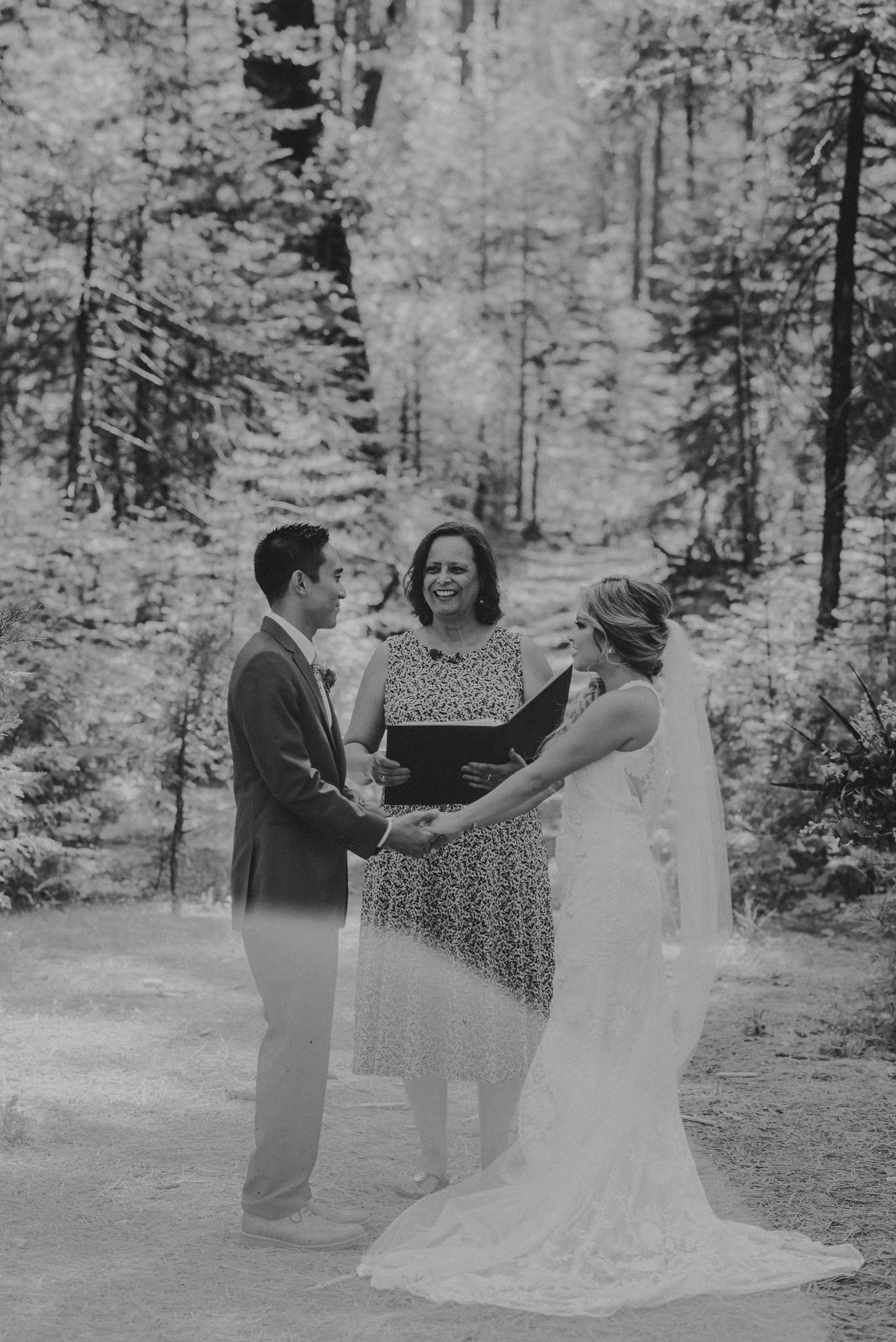 © Isaiah + Taylor Photography - Evergreen Lodge Destination Yoesmite Wedding - Los Angeles Wedding Photographer-109.jpg