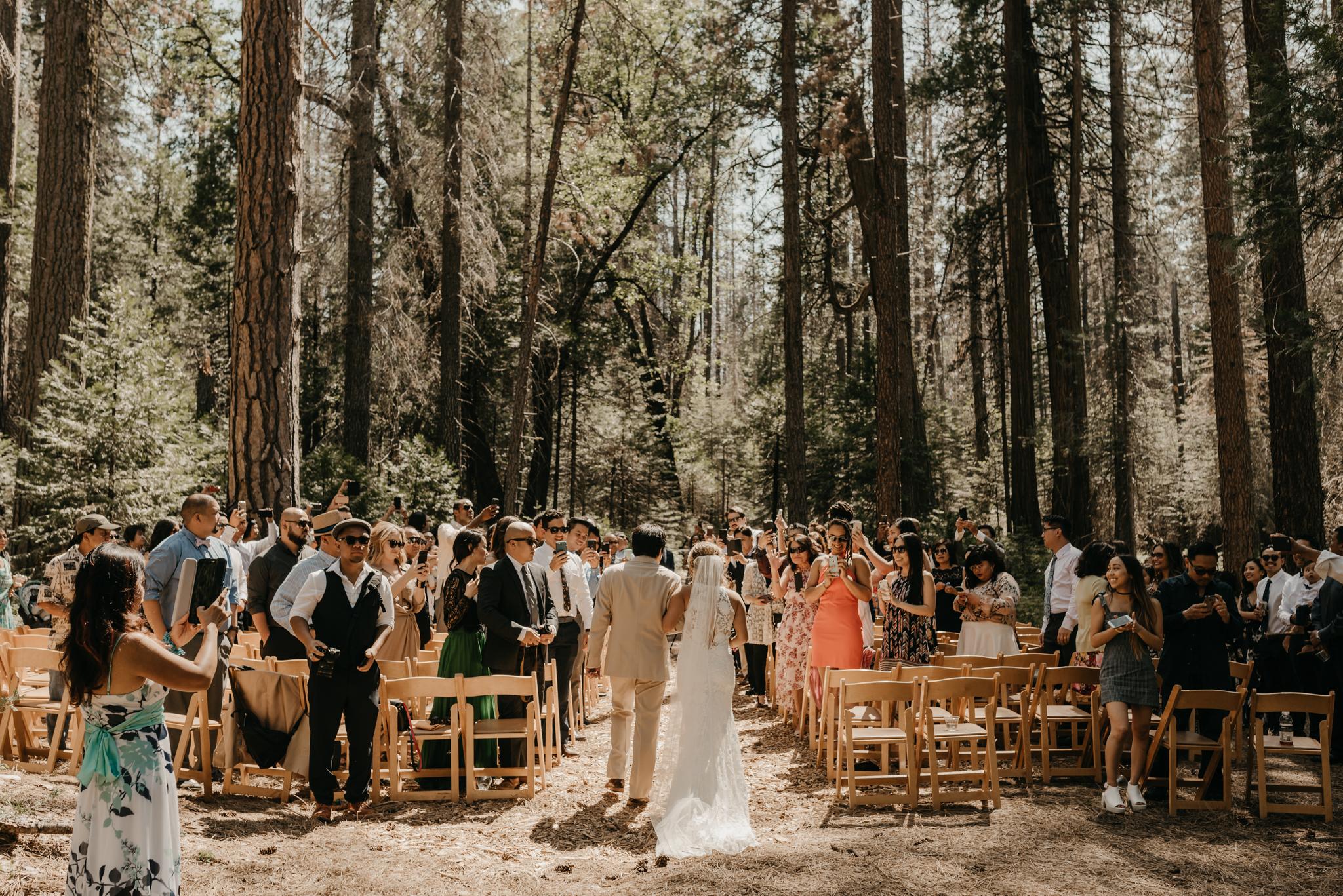 © Isaiah + Taylor Photography - Evergreen Lodge Destination Yoesmite Wedding - Los Angeles Wedding Photographer-108.jpg