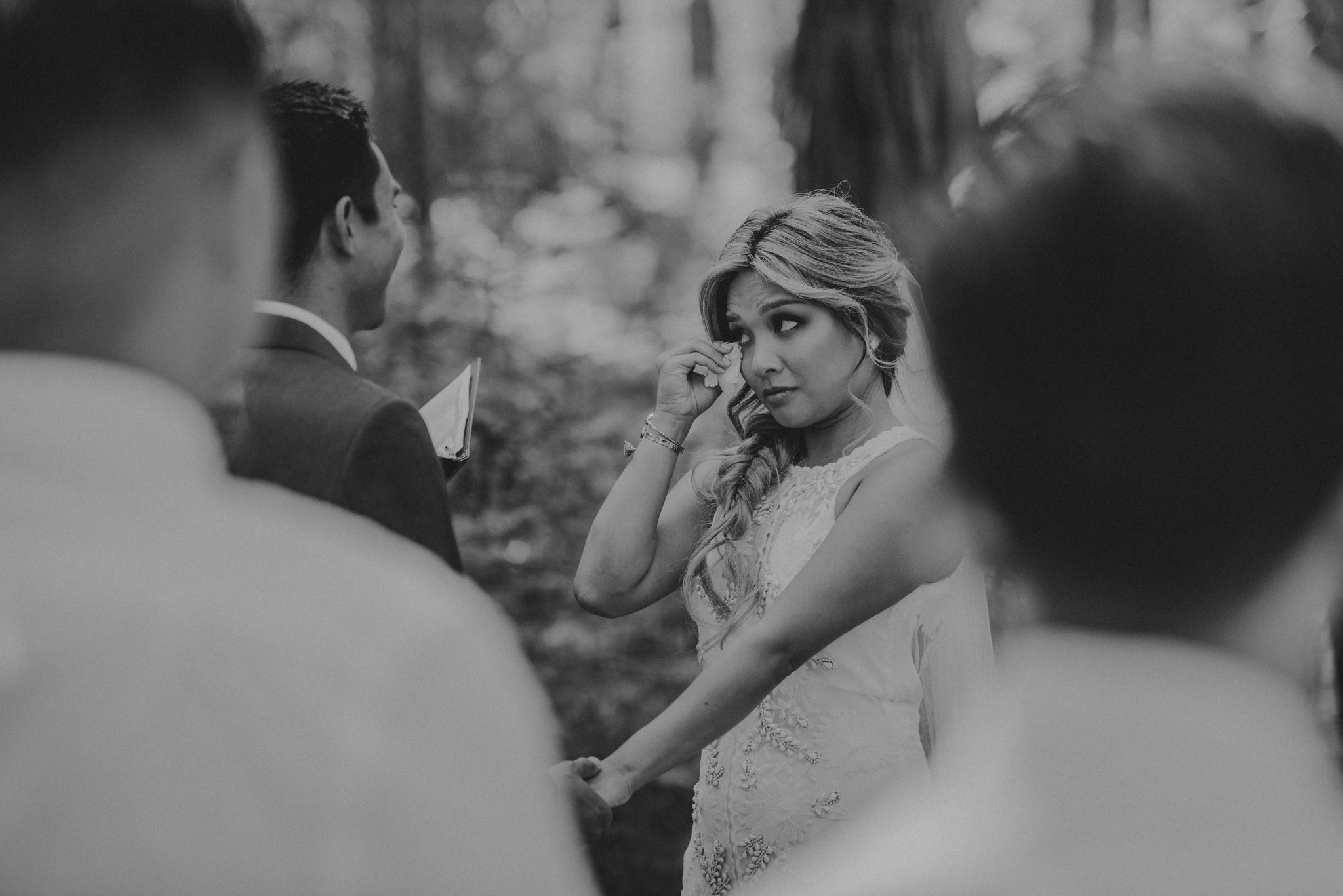 © Isaiah + Taylor Photography - Evergreen Lodge Destination Yoesmite Wedding - Los Angeles Wedding Photographer-112.jpg