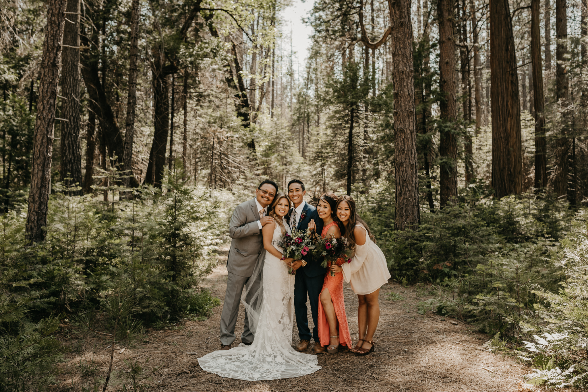 © Isaiah + Taylor Photography - Evergreen Lodge Destination Yoesmite Wedding - Los Angeles Wedding Photographer-125.jpg