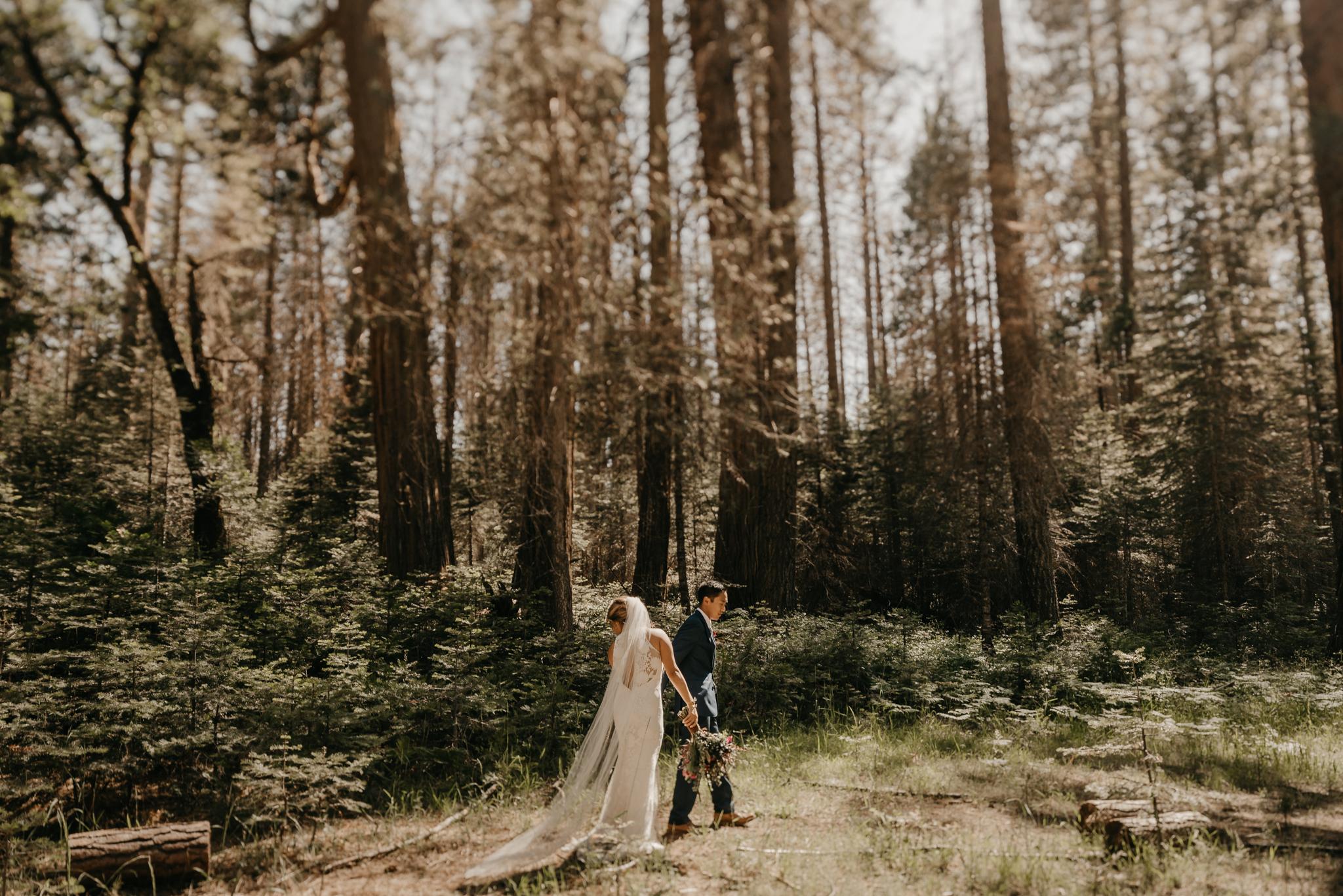 © Isaiah + Taylor Photography - Evergreen Lodge Destination Yoesmite Wedding - Los Angeles Wedding Photographer-136.jpg