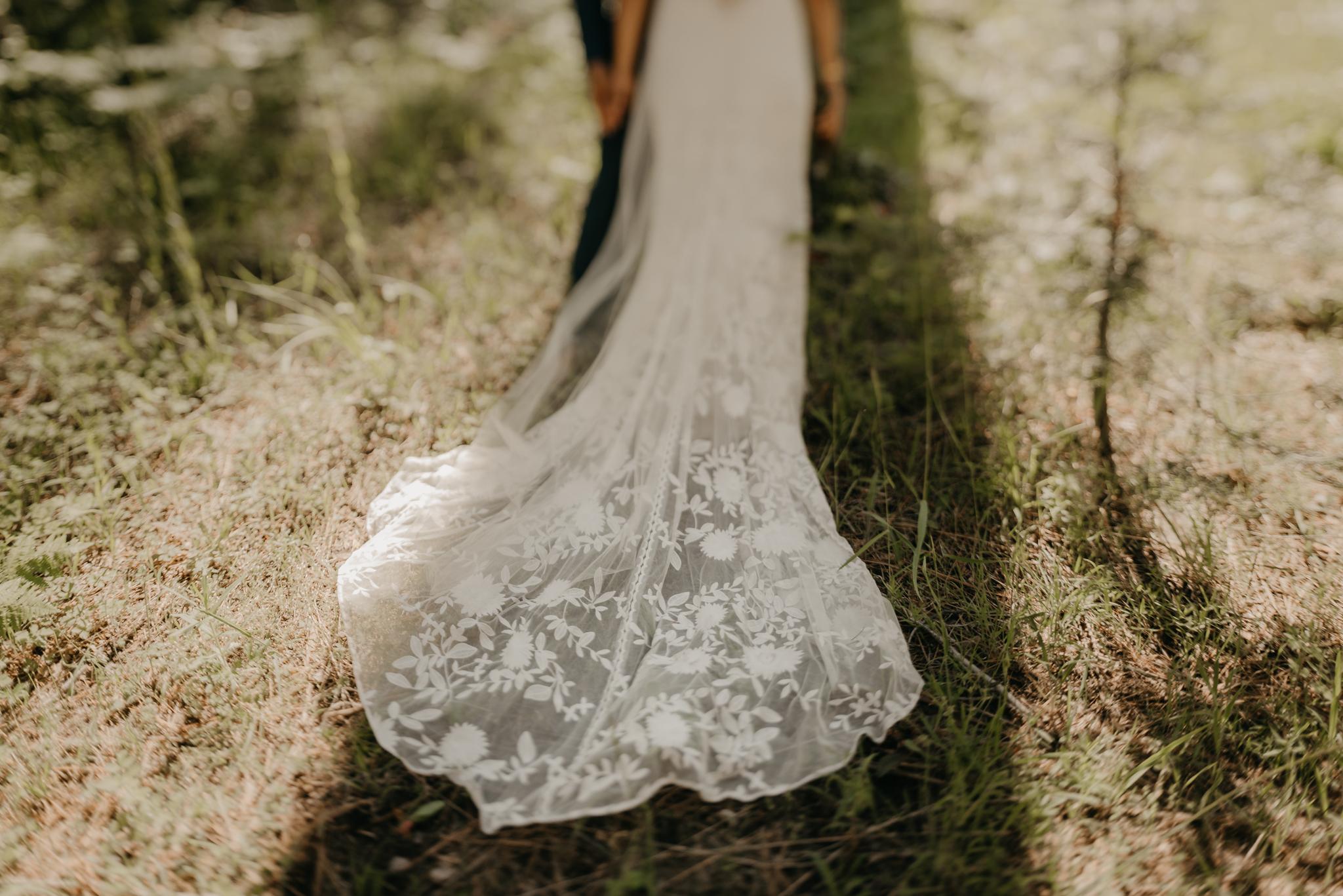 © Isaiah + Taylor Photography - Evergreen Lodge Destination Yoesmite Wedding - Los Angeles Wedding Photographer-141.jpg