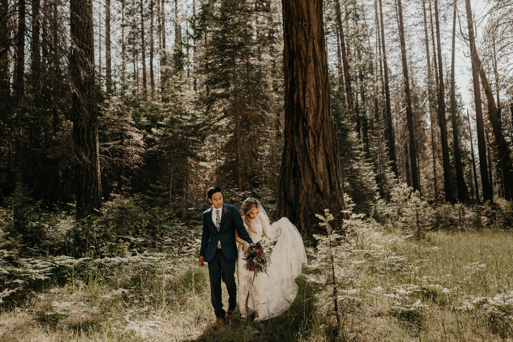 © Isaiah + Taylor Photography - Evergreen Lodge Destination Yoesmite Wedding - Los Angeles Wedding Photographer-147.jpg