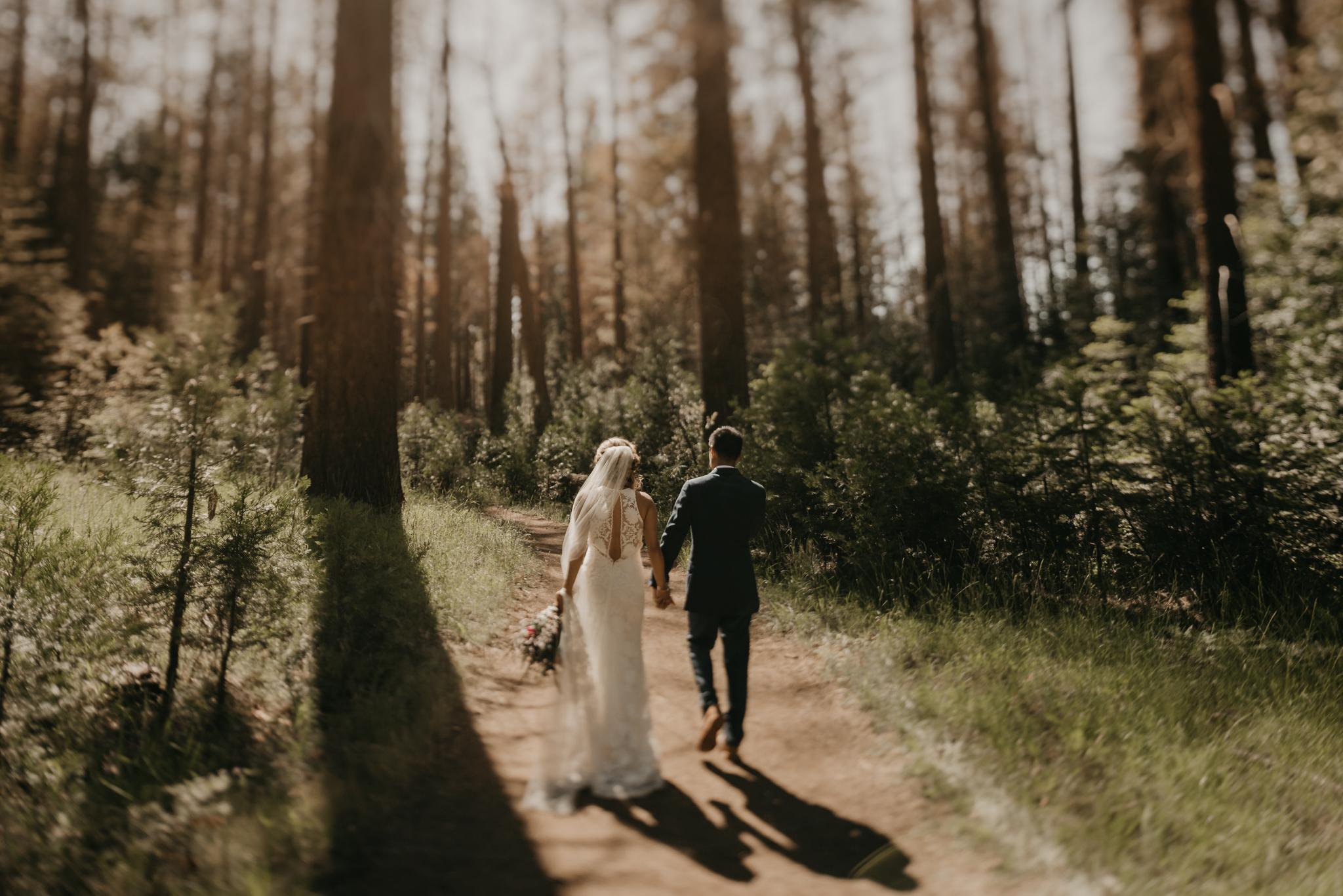 © Isaiah + Taylor Photography - Evergreen Lodge Destination Yoesmite Wedding - Los Angeles Wedding Photographer-148.jpg