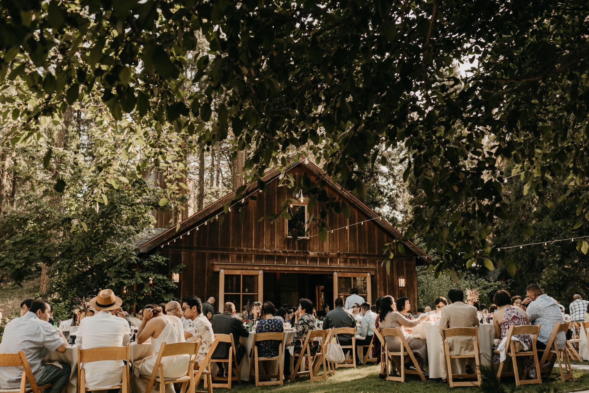 © Isaiah + Taylor Photography - Evergreen Lodge Destination Yoesmite Wedding - Los Angeles Wedding Photographer-160.jpg