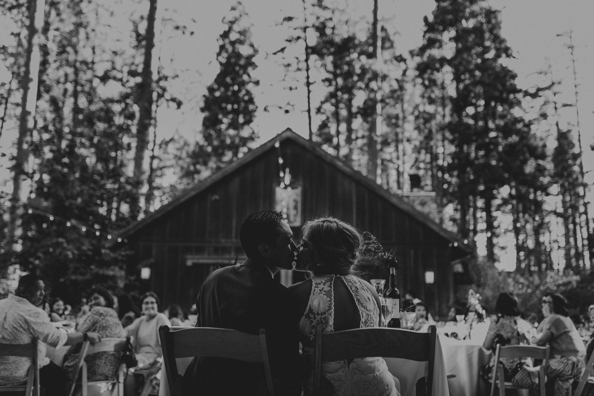 © Isaiah + Taylor Photography - Evergreen Lodge Destination Yoesmite Wedding - Los Angeles Wedding Photographer-168.jpg