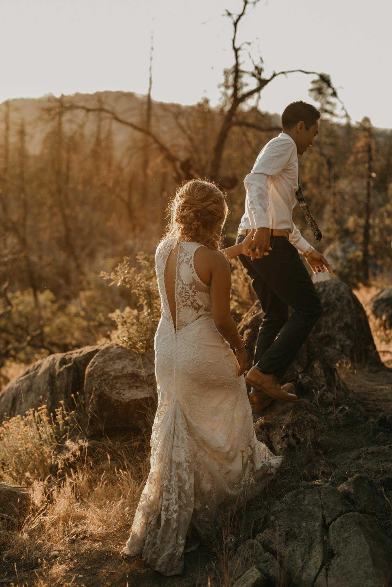 © Isaiah + Taylor Photography - Evergreen Lodge Destination Yoesmite Wedding - Los Angeles Wedding Photographer-213.jpg