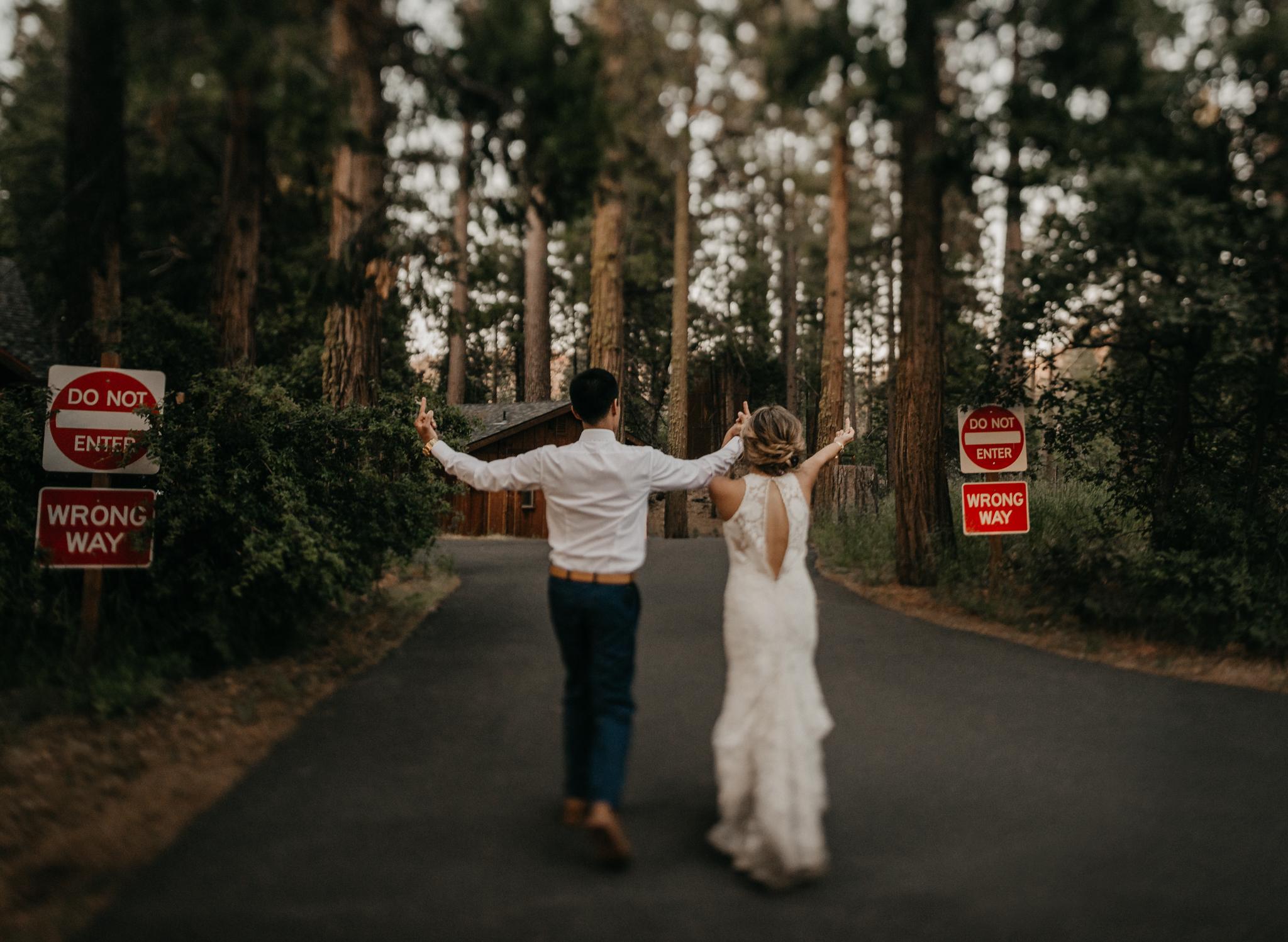 © Isaiah + Taylor Photography - Evergreen Lodge Destination Yoesmite Wedding - Los Angeles Wedding Photographer-228.jpg