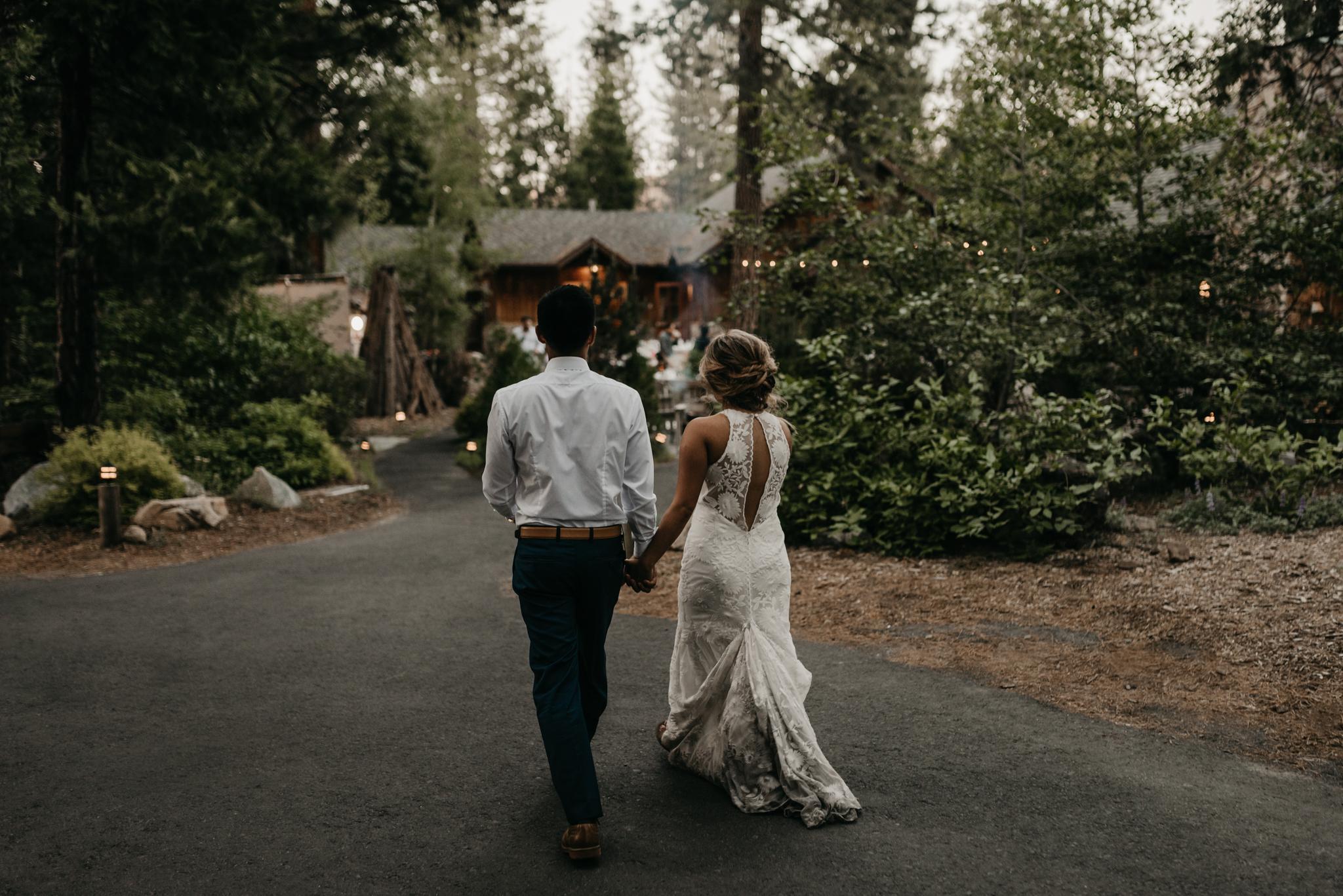 © Isaiah + Taylor Photography - Evergreen Lodge Destination Yoesmite Wedding - Los Angeles Wedding Photographer-229.jpg