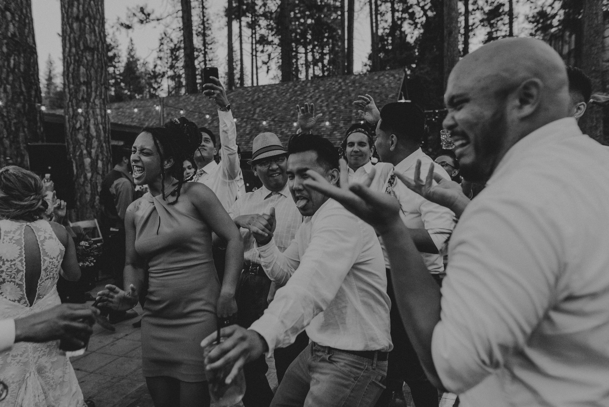 © Isaiah + Taylor Photography - Evergreen Lodge Destination Yoesmite Wedding - Los Angeles Wedding Photographer-237.jpg