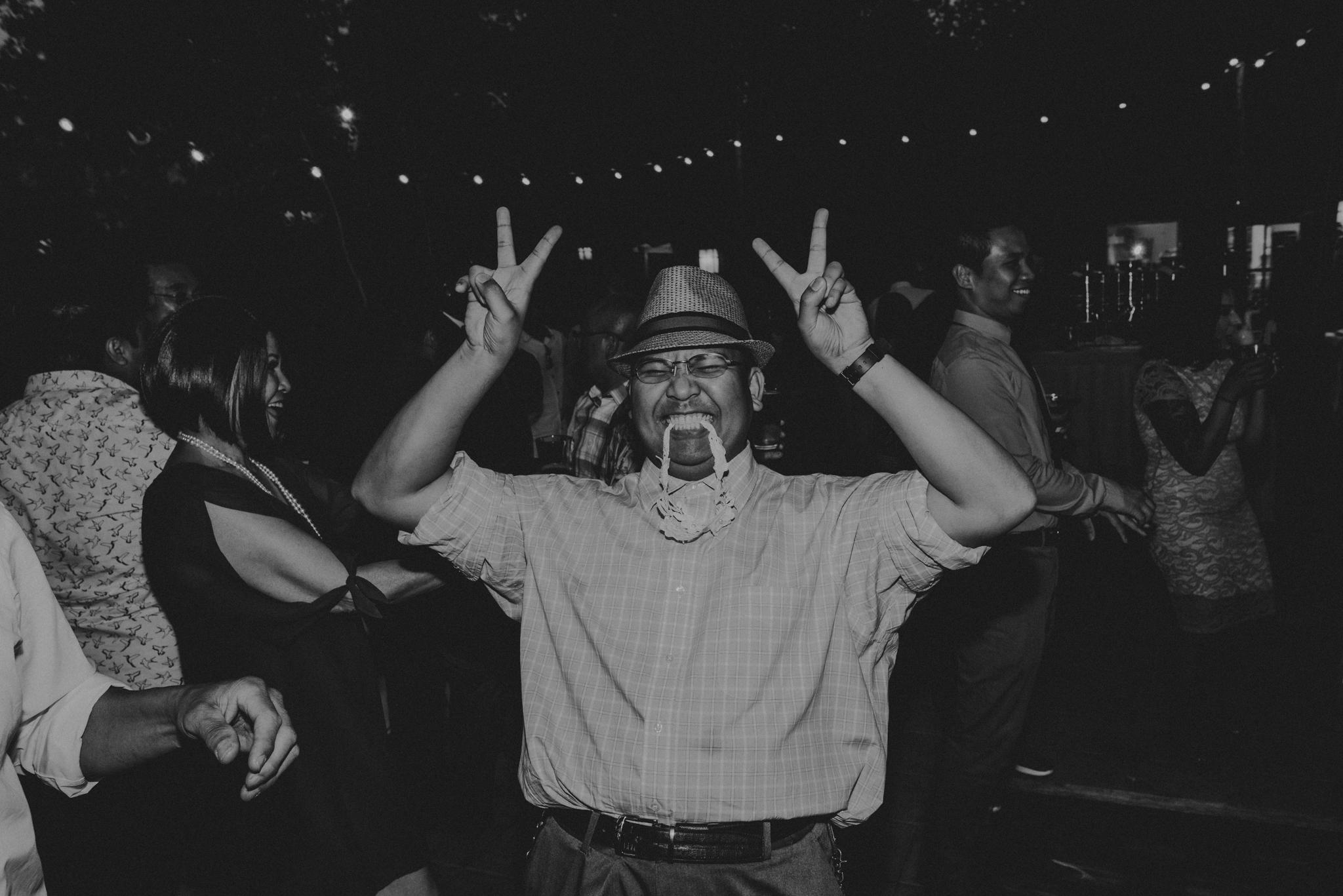 © Isaiah + Taylor Photography - Evergreen Lodge Destination Yoesmite Wedding - Los Angeles Wedding Photographer-243.jpg