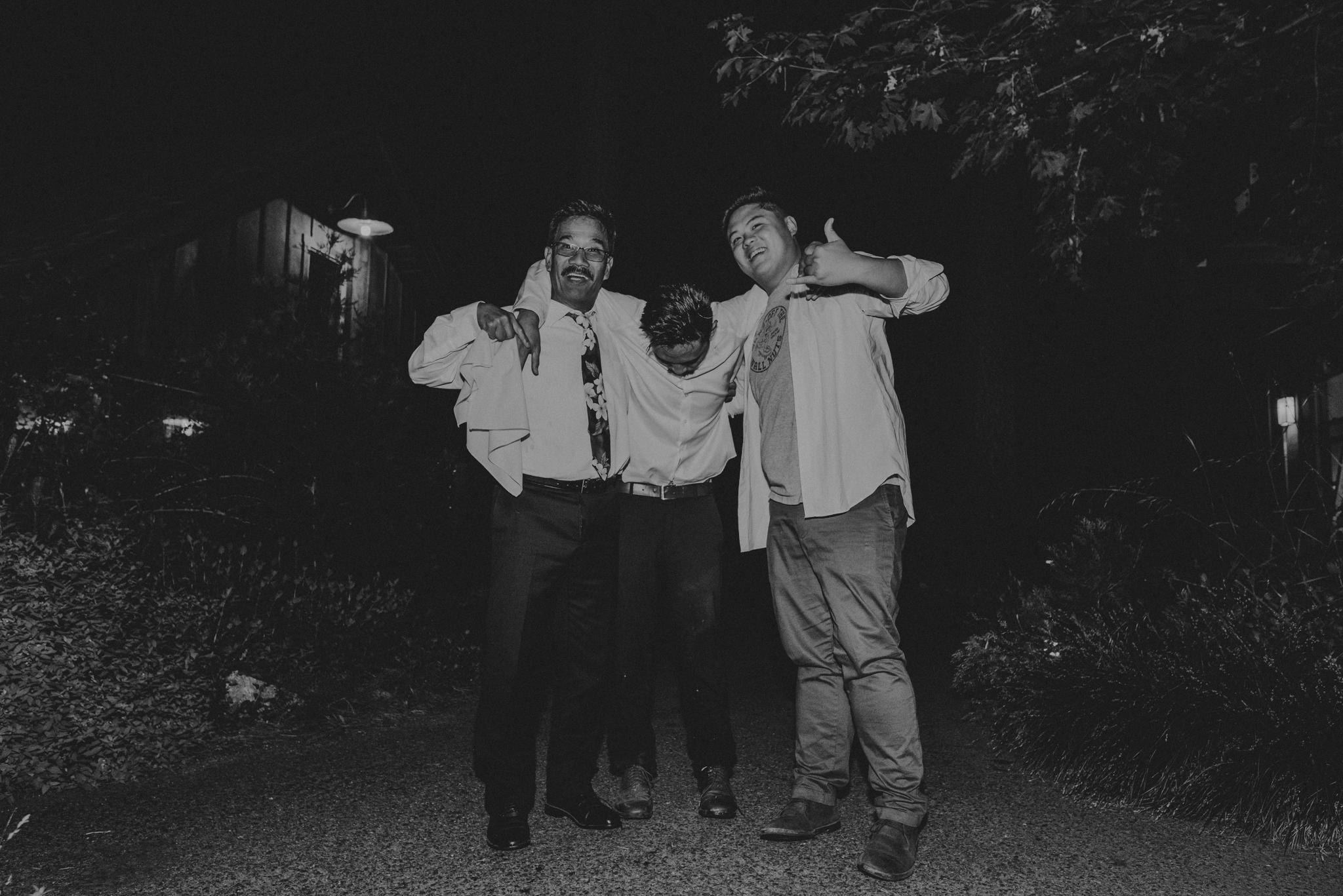 © Isaiah + Taylor Photography - Evergreen Lodge Destination Yoesmite Wedding - Los Angeles Wedding Photographer-253.jpg
