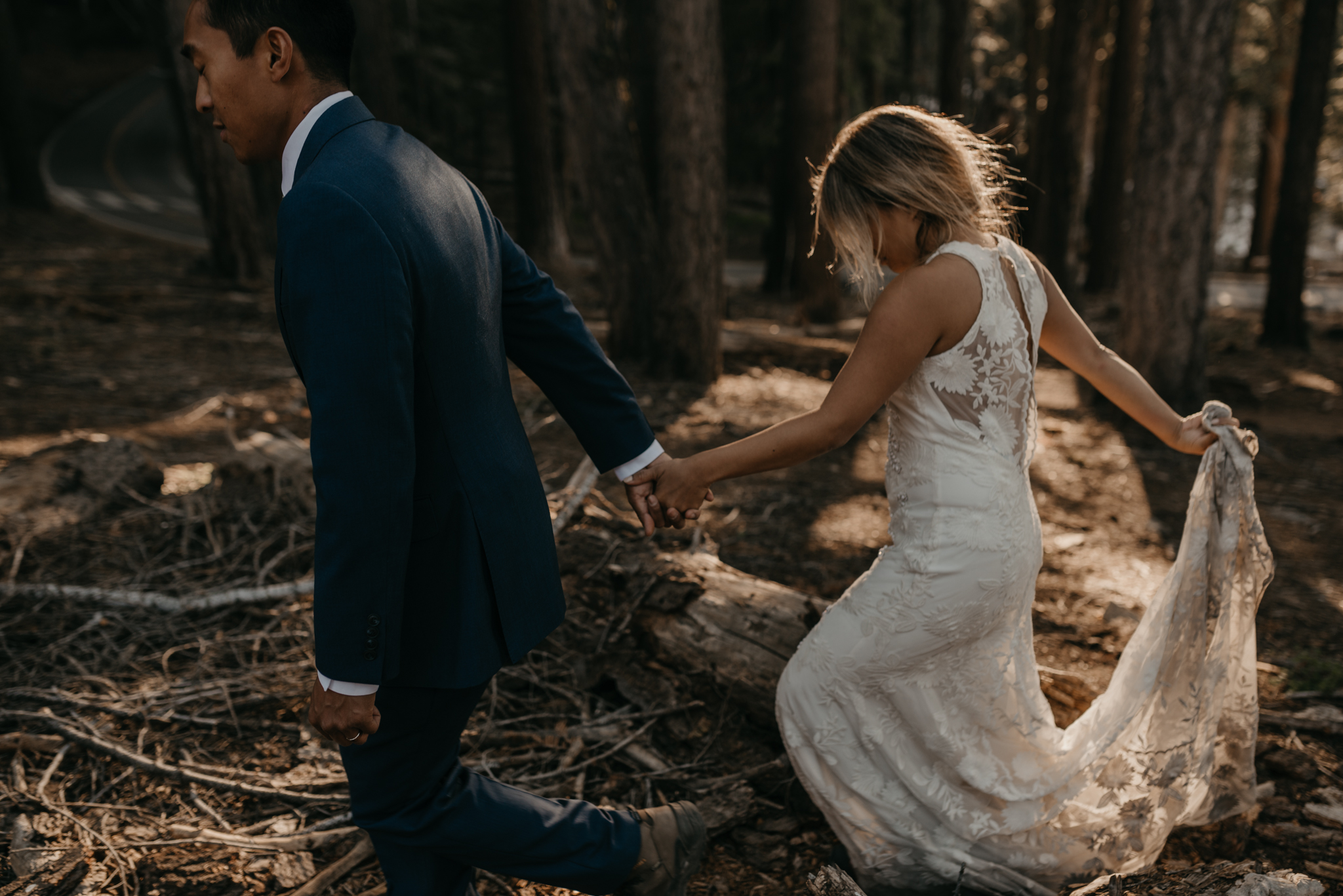 © Isaiah + Taylor Photography - Yosemite Nationanl Park Elopement Photographer - Evergreen Lodge Wedding-006.jpg