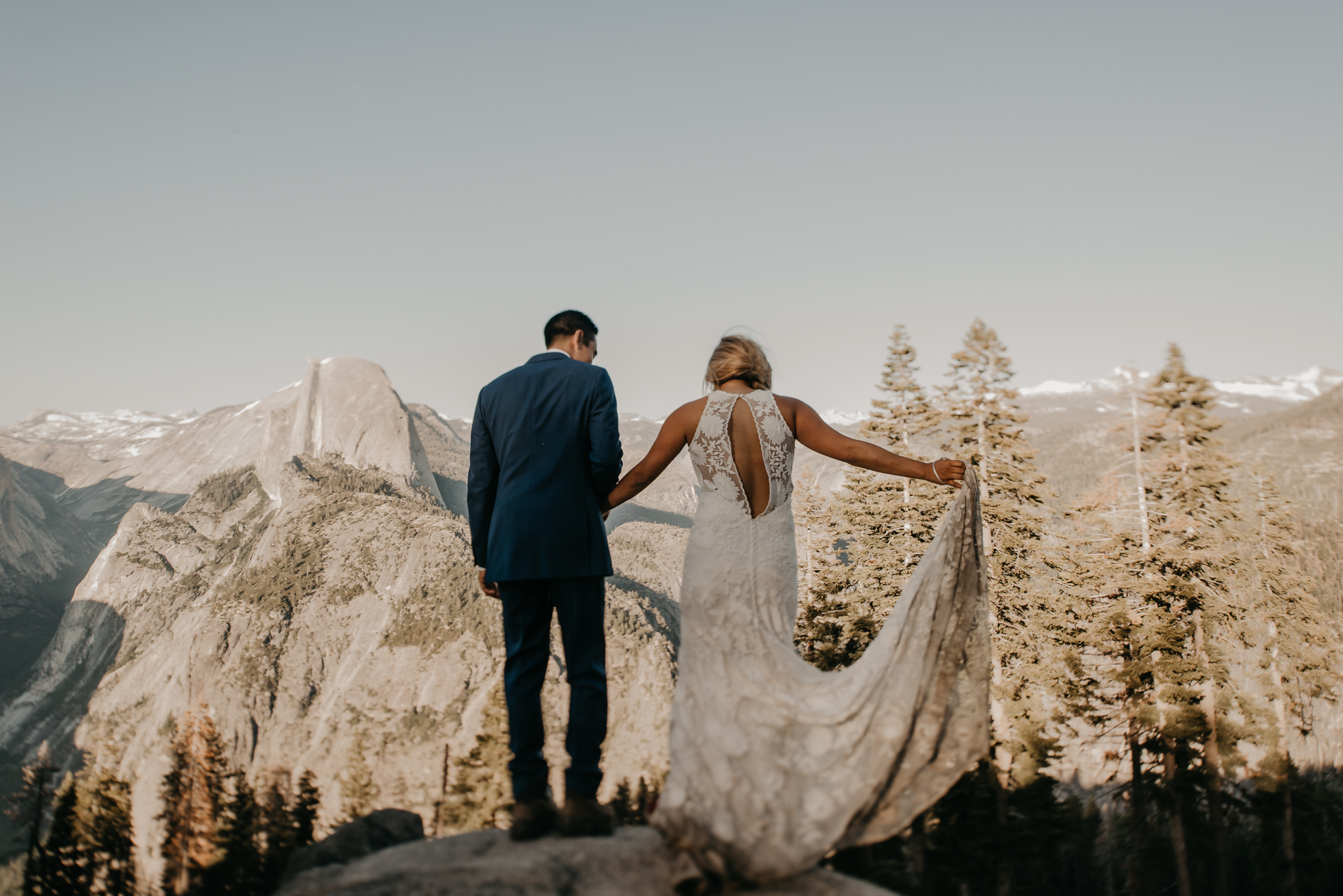 © Isaiah + Taylor Photography - Yosemite Nationanl Park Elopement Photographer - Evergreen Lodge Wedding-010.jpg