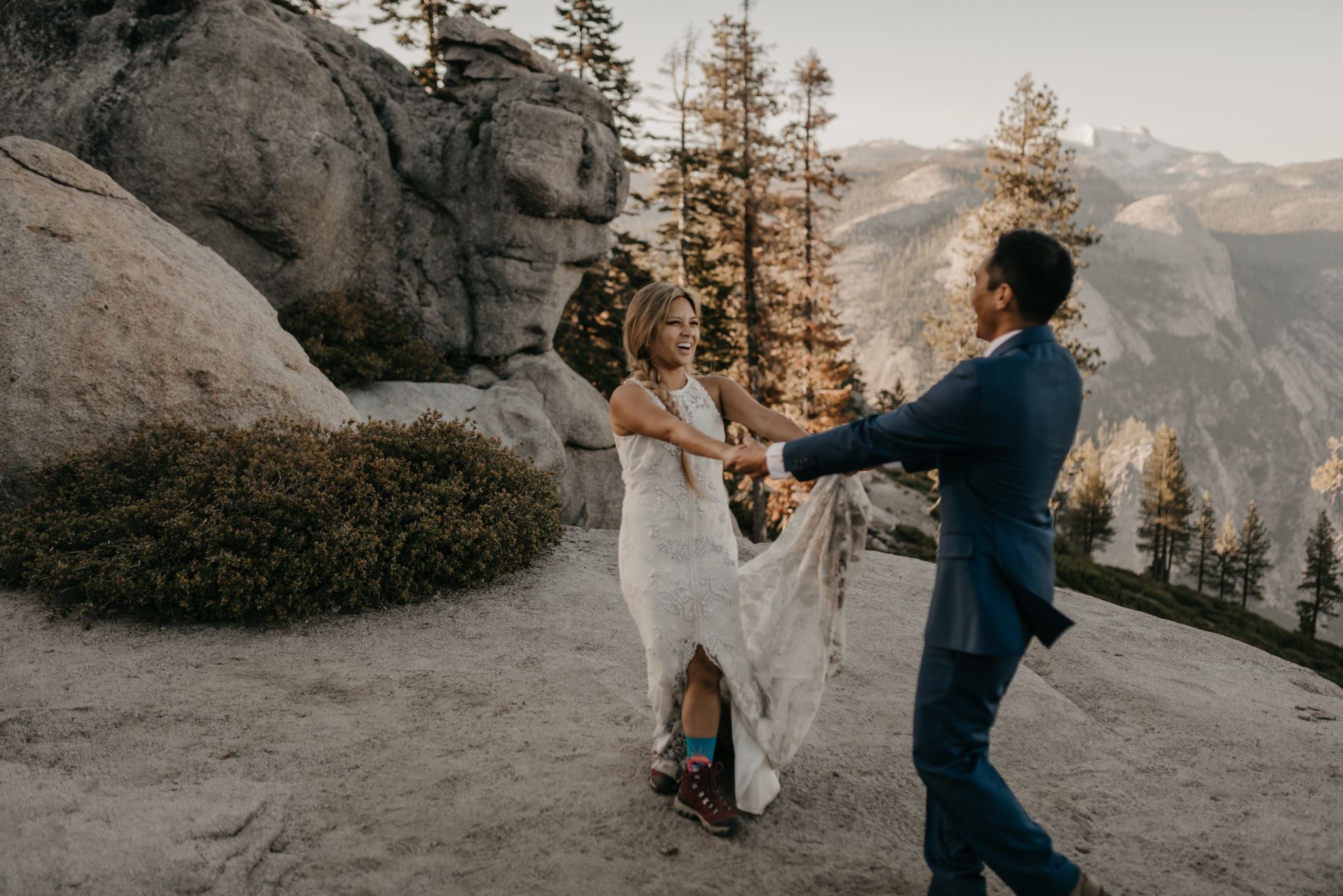 © Isaiah + Taylor Photography - Yosemite Nationanl Park Elopement Photographer - Evergreen Lodge Wedding-017.jpg