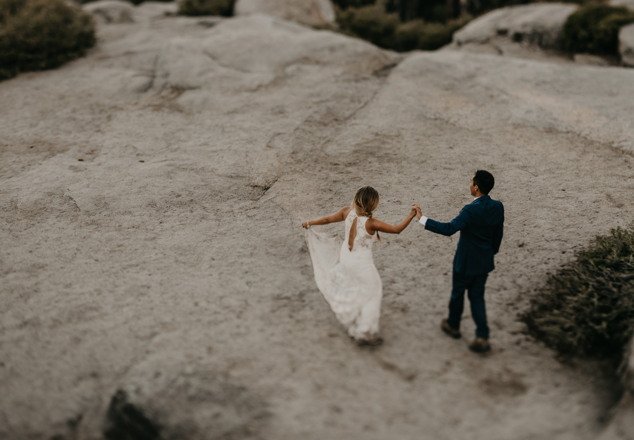 © Isaiah + Taylor Photography - Yosemite Nationanl Park Elopement Photographer - Evergreen Lodge Wedding-037.jpg