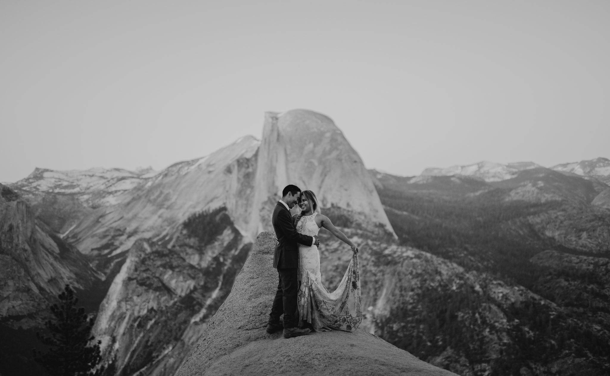 © Isaiah + Taylor Photography - Yosemite Nationanl Park Elopement Photographer - Evergreen Lodge Wedding-066.jpg