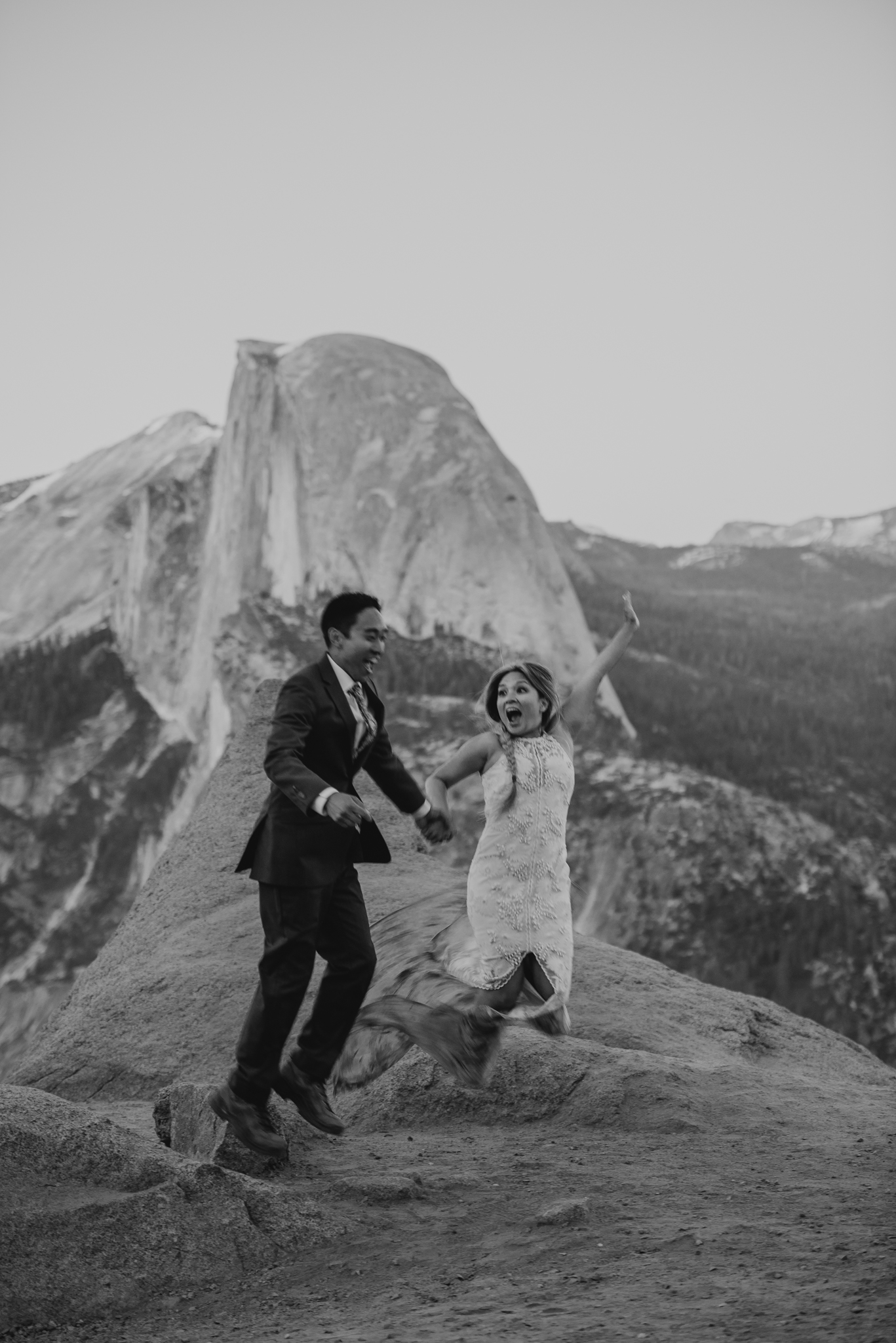 © Isaiah + Taylor Photography - Yosemite Nationanl Park Elopement Photographer - Evergreen Lodge Wedding-072.jpg
