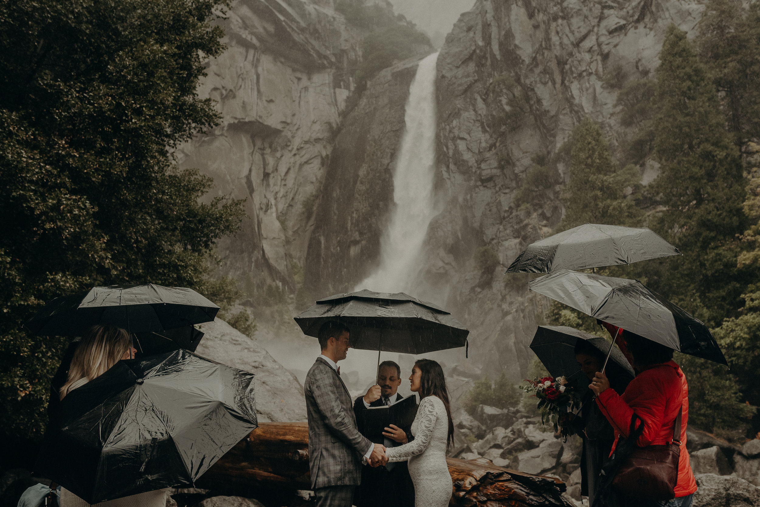 Isaiah + Taylor Photography - Yosemite Elopement - Los Angeles Wedding Photographer-34.jpg