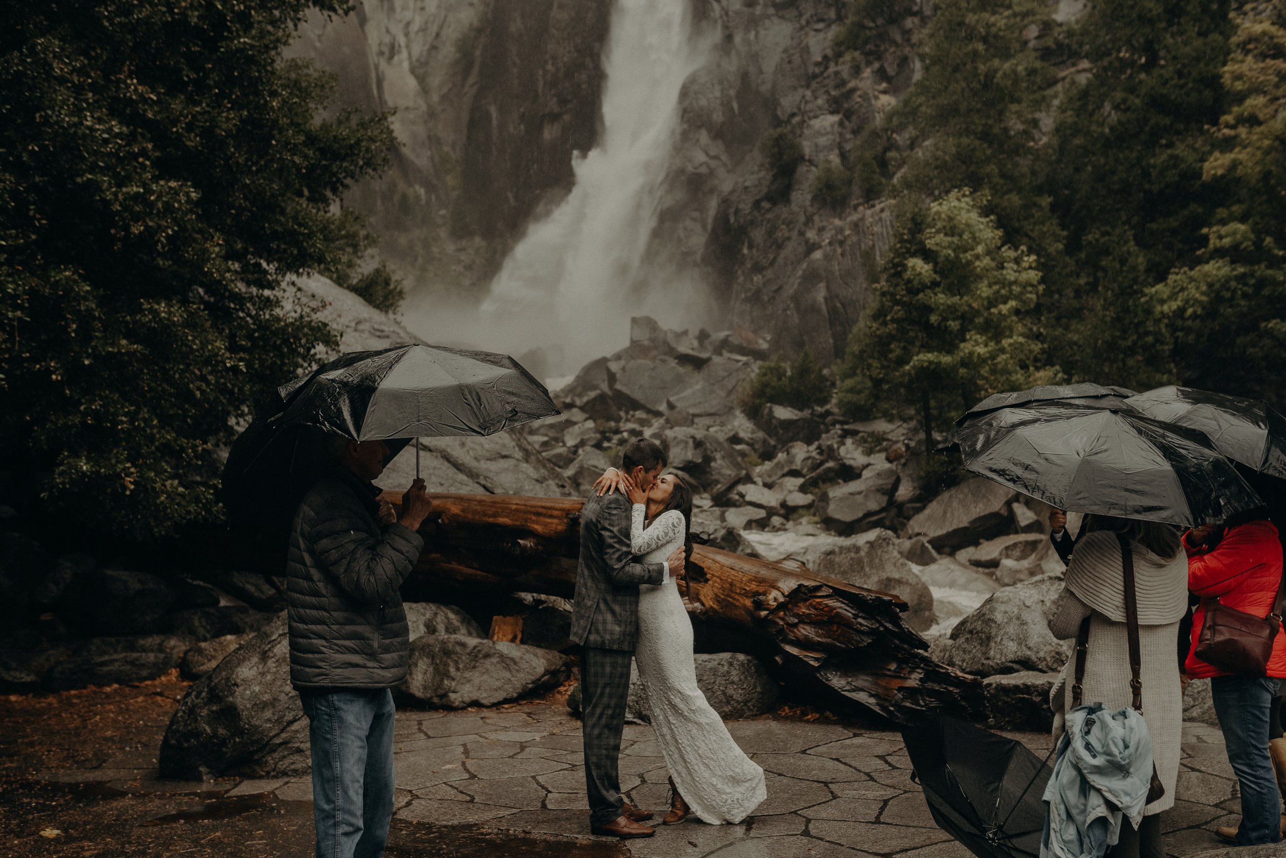Isaiah + Taylor Photography - Yosemite Elopement - Los Angeles Wedding Photographer-36.jpg