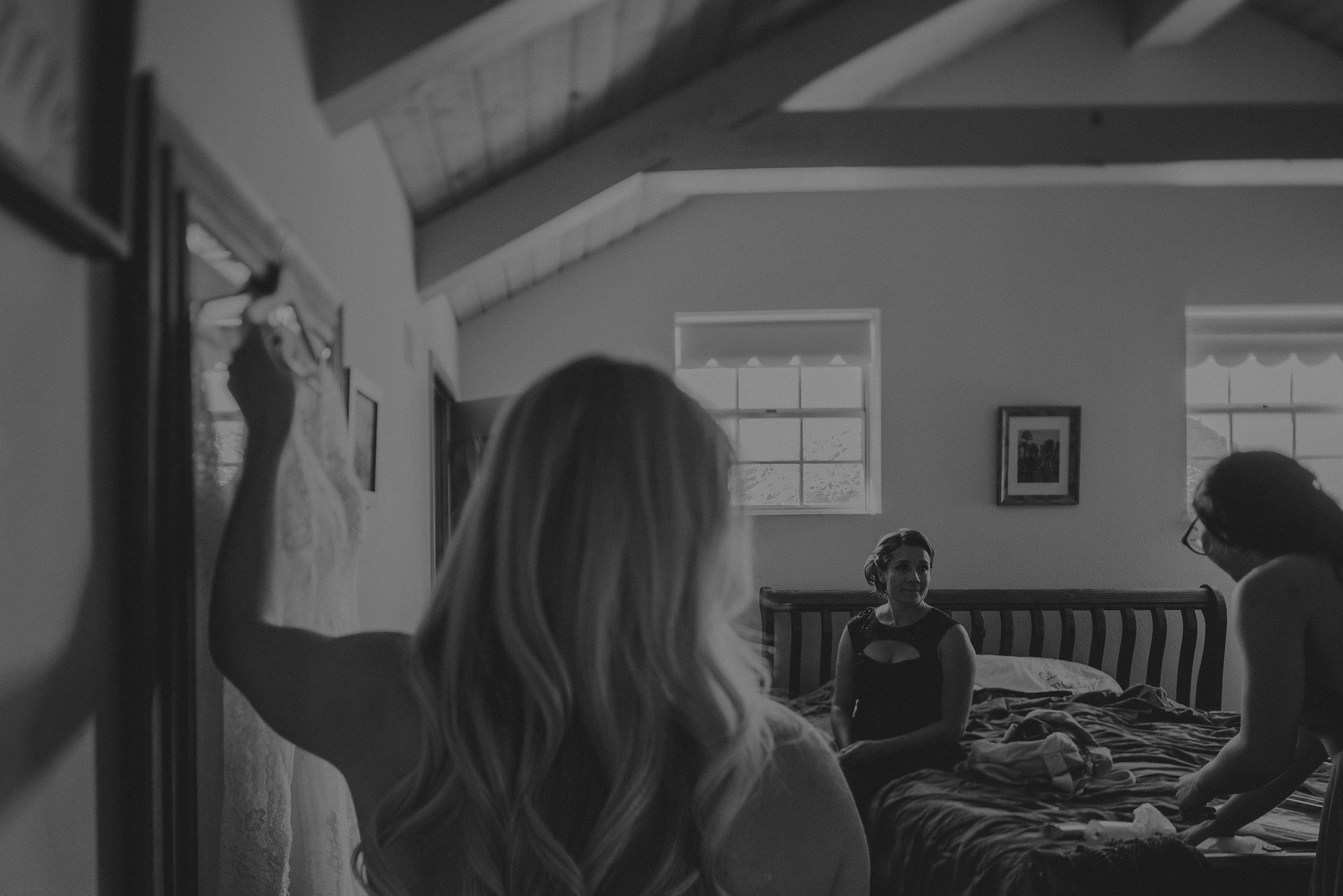 ©Isaiah + Taylor Photography - Joshua Tree Wedding Elopement-017.jpg