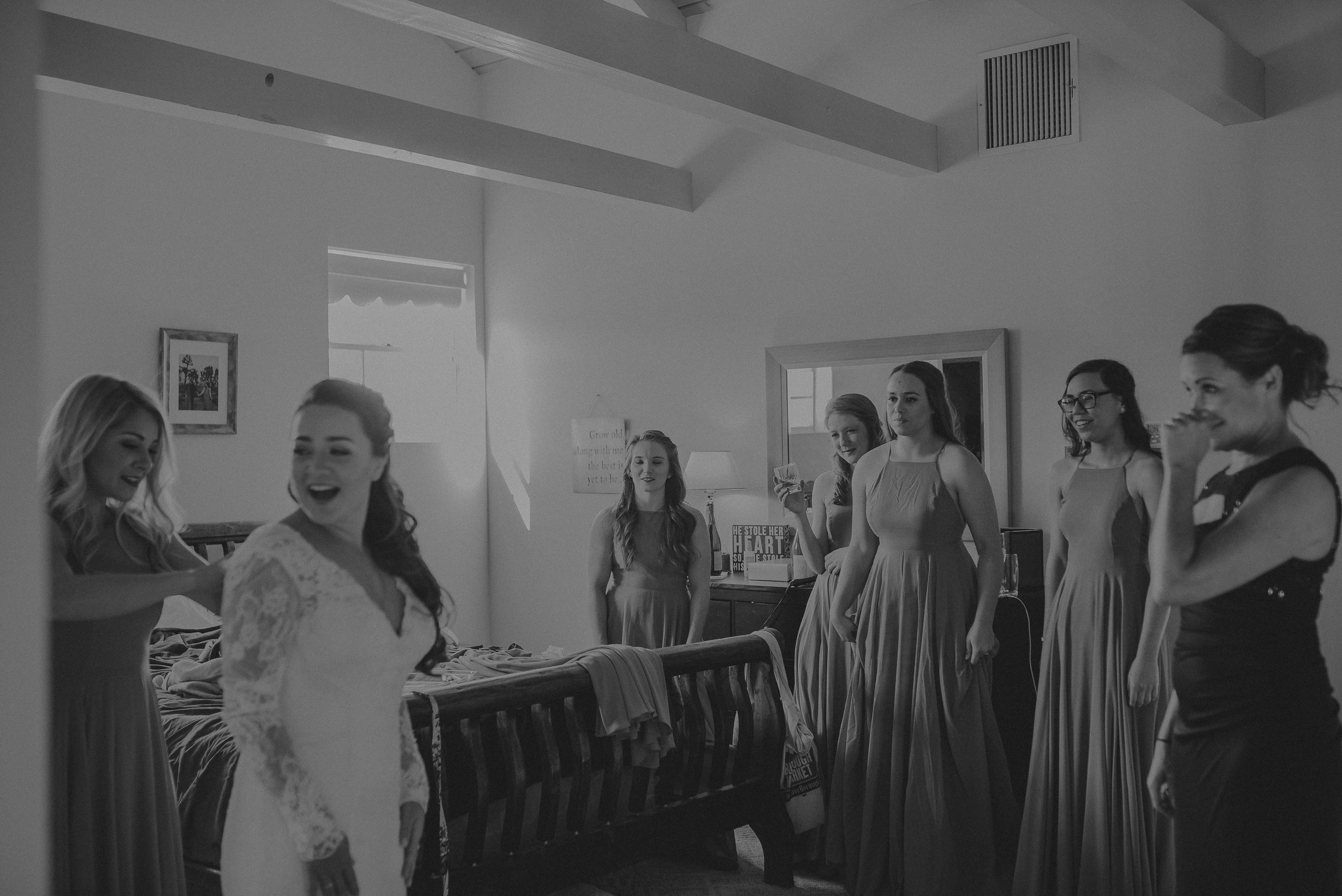 ©Isaiah + Taylor Photography - Joshua Tree Wedding Elopement-018.jpg