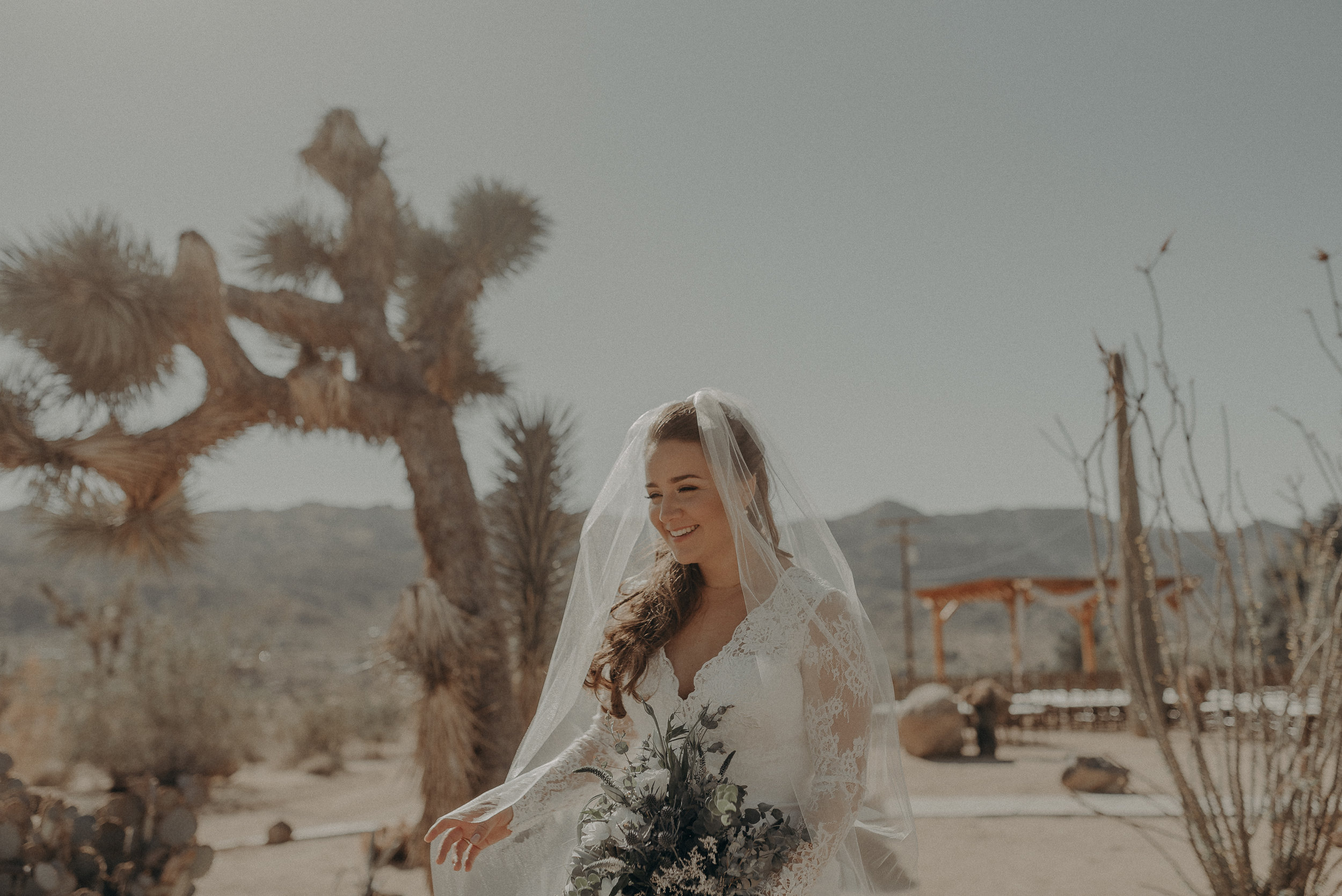 ©Isaiah + Taylor Photography - Joshua Tree Wedding Elopement-036.jpg