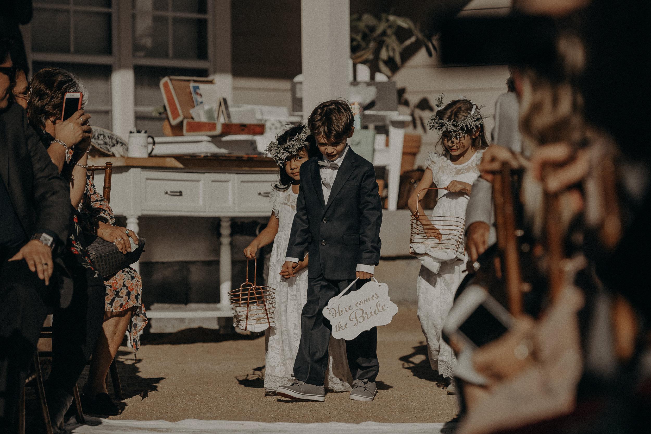 ©Isaiah + Taylor Photography - Joshua Tree Wedding Elopement-048.jpg