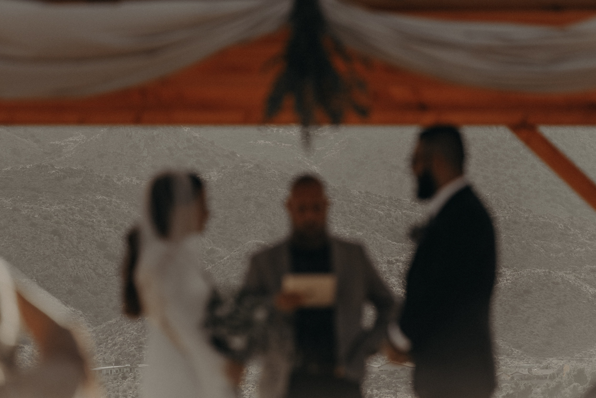 ©Isaiah + Taylor Photography - Joshua Tree Wedding Elopement-051.jpg