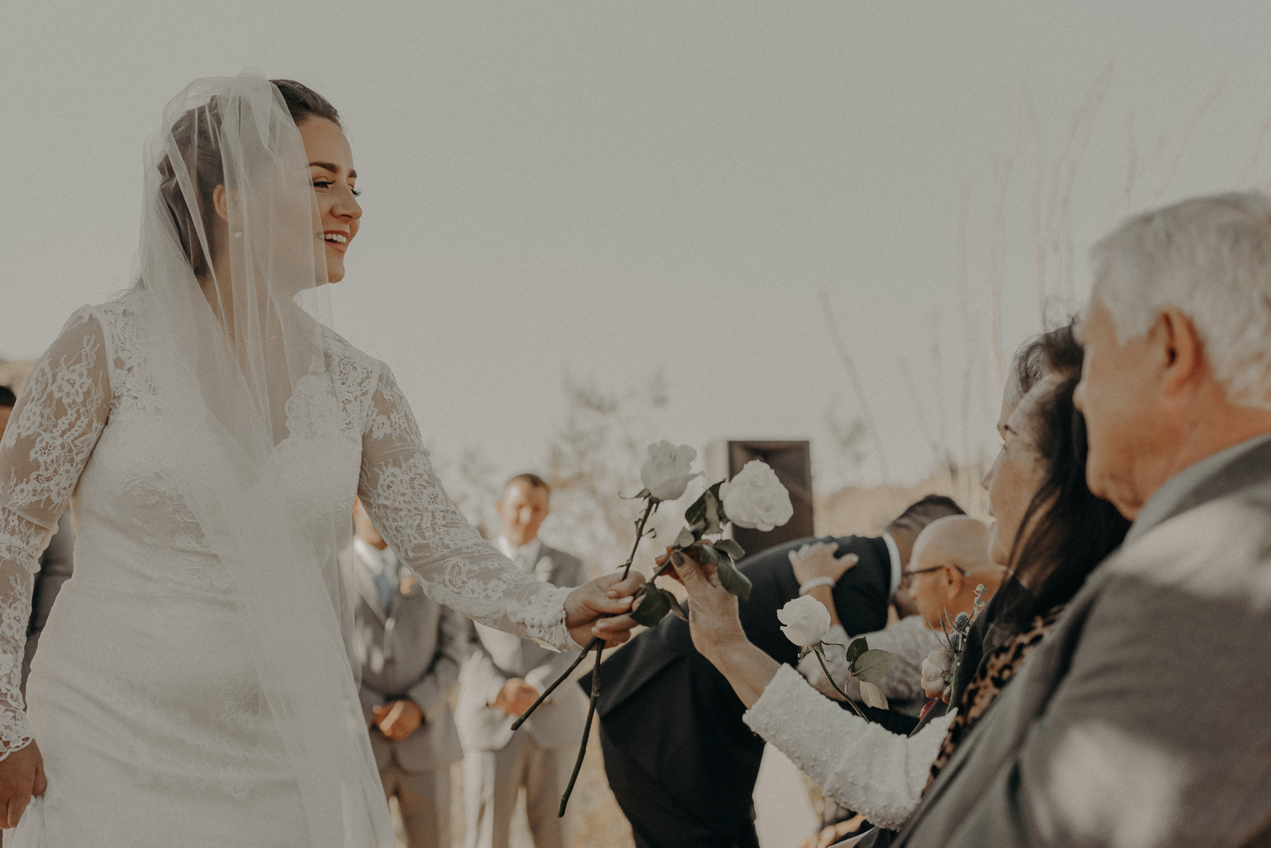 ©Isaiah + Taylor Photography - Joshua Tree Wedding Elopement-052.jpg