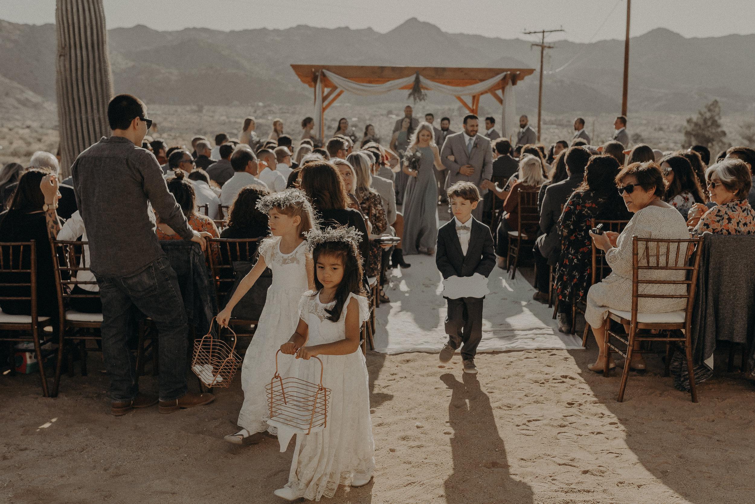 ©Isaiah + Taylor Photography - Joshua Tree Wedding Elopement-063.jpg
