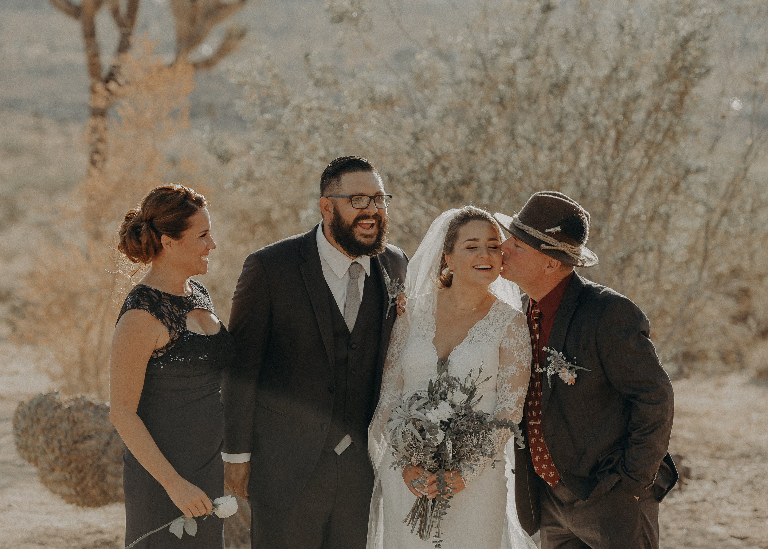 ©Isaiah + Taylor Photography - Joshua Tree Wedding Elopement-066.jpg