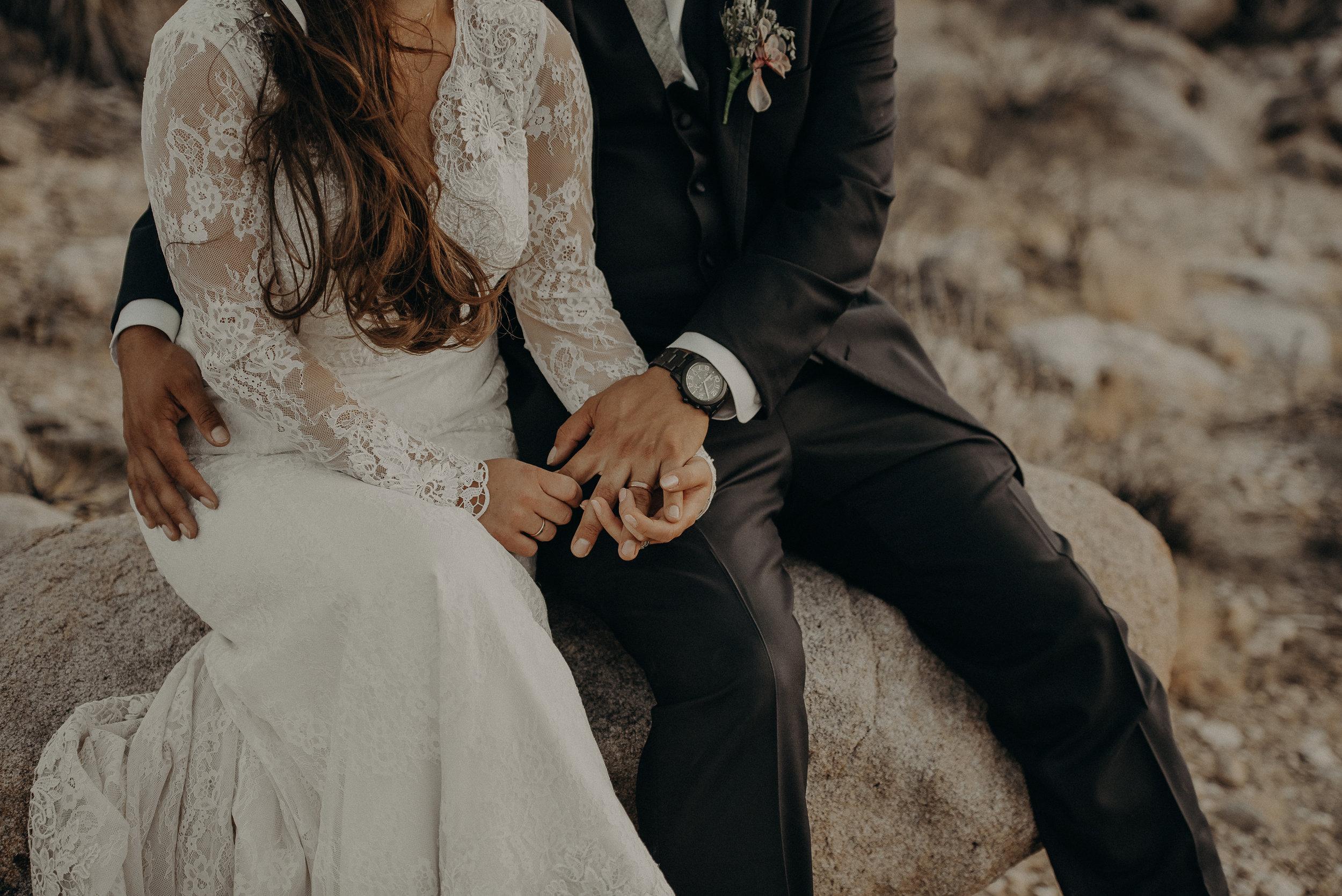 ©Isaiah + Taylor Photography - Joshua Tree Wedding Elopement-098.jpg