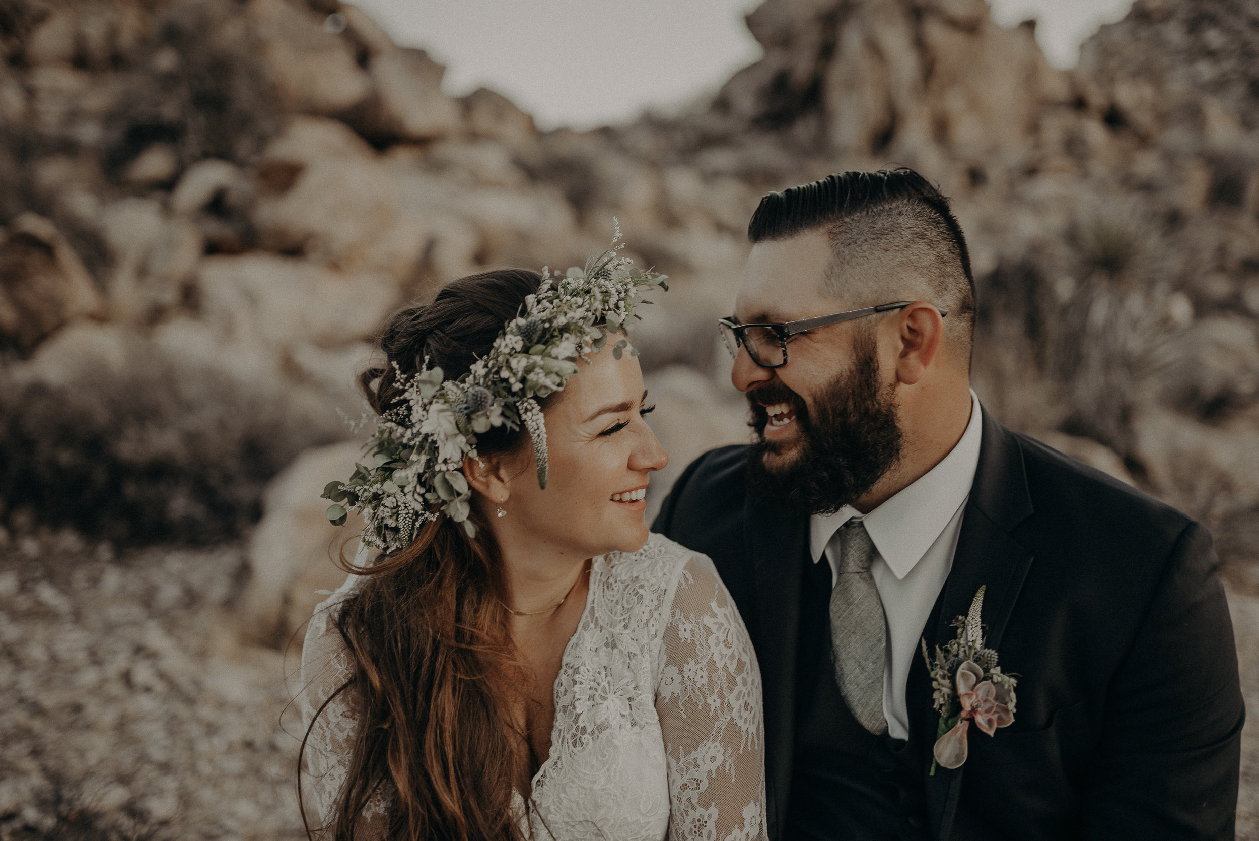 ©Isaiah + Taylor Photography - Joshua Tree Wedding Elopement-103.jpg
