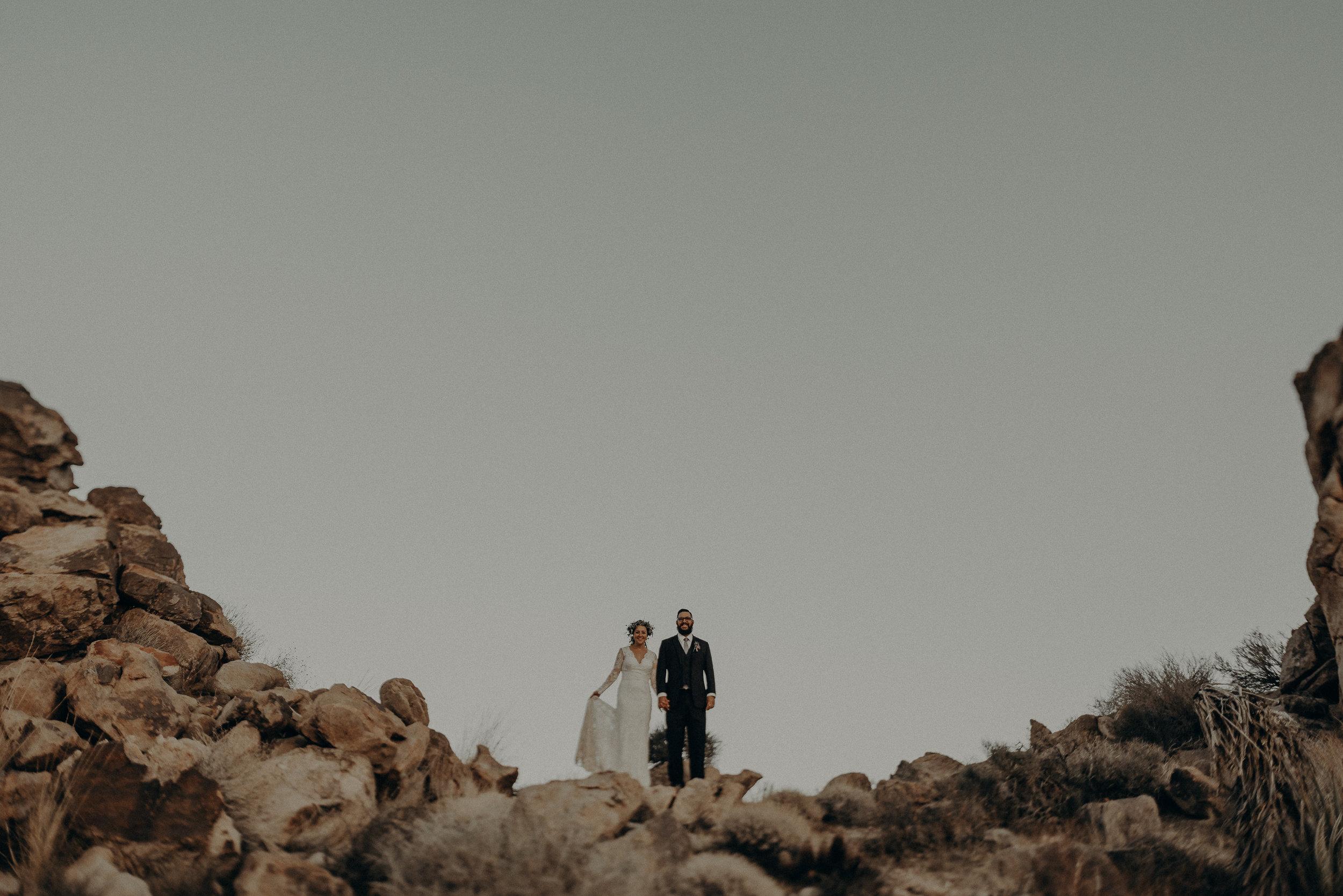 ©Isaiah + Taylor Photography - Joshua Tree Wedding Elopement-105.jpg