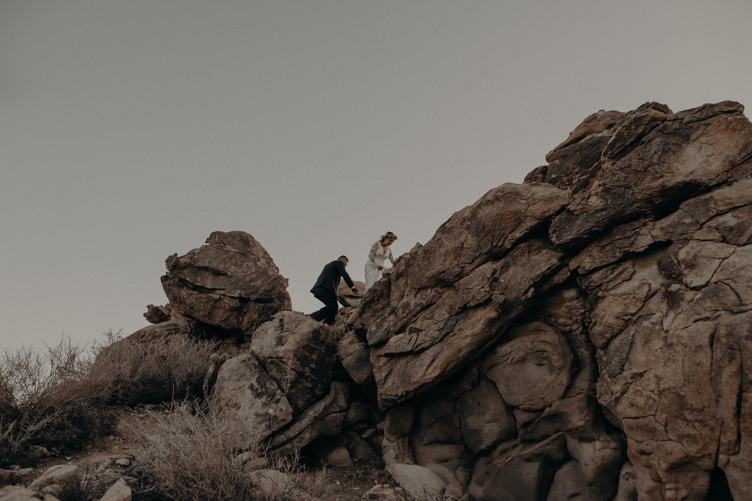 ©Isaiah + Taylor Photography - Joshua Tree Wedding Elopement-108.jpg