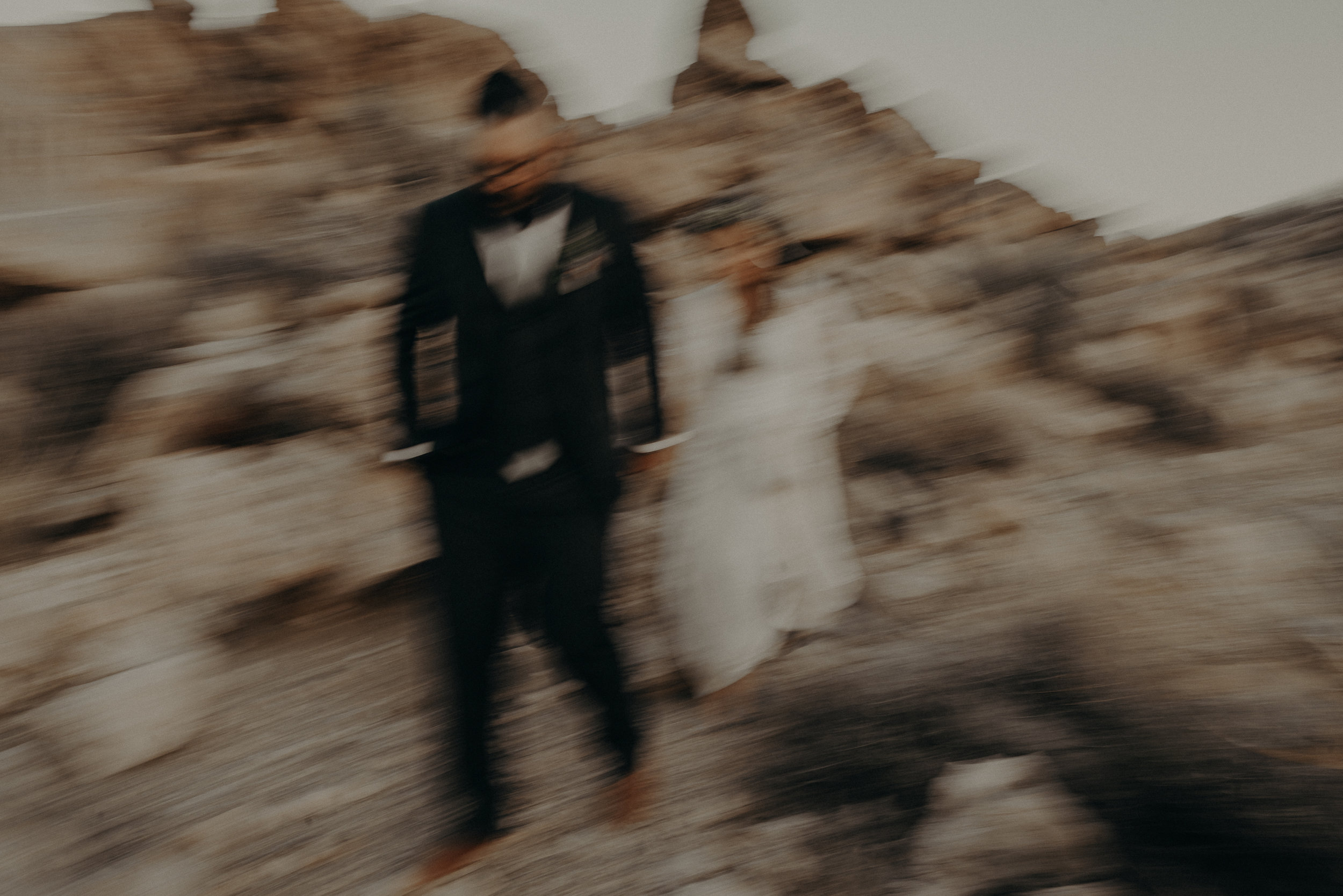 ©Isaiah + Taylor Photography - Joshua Tree Wedding Elopement-113.jpg