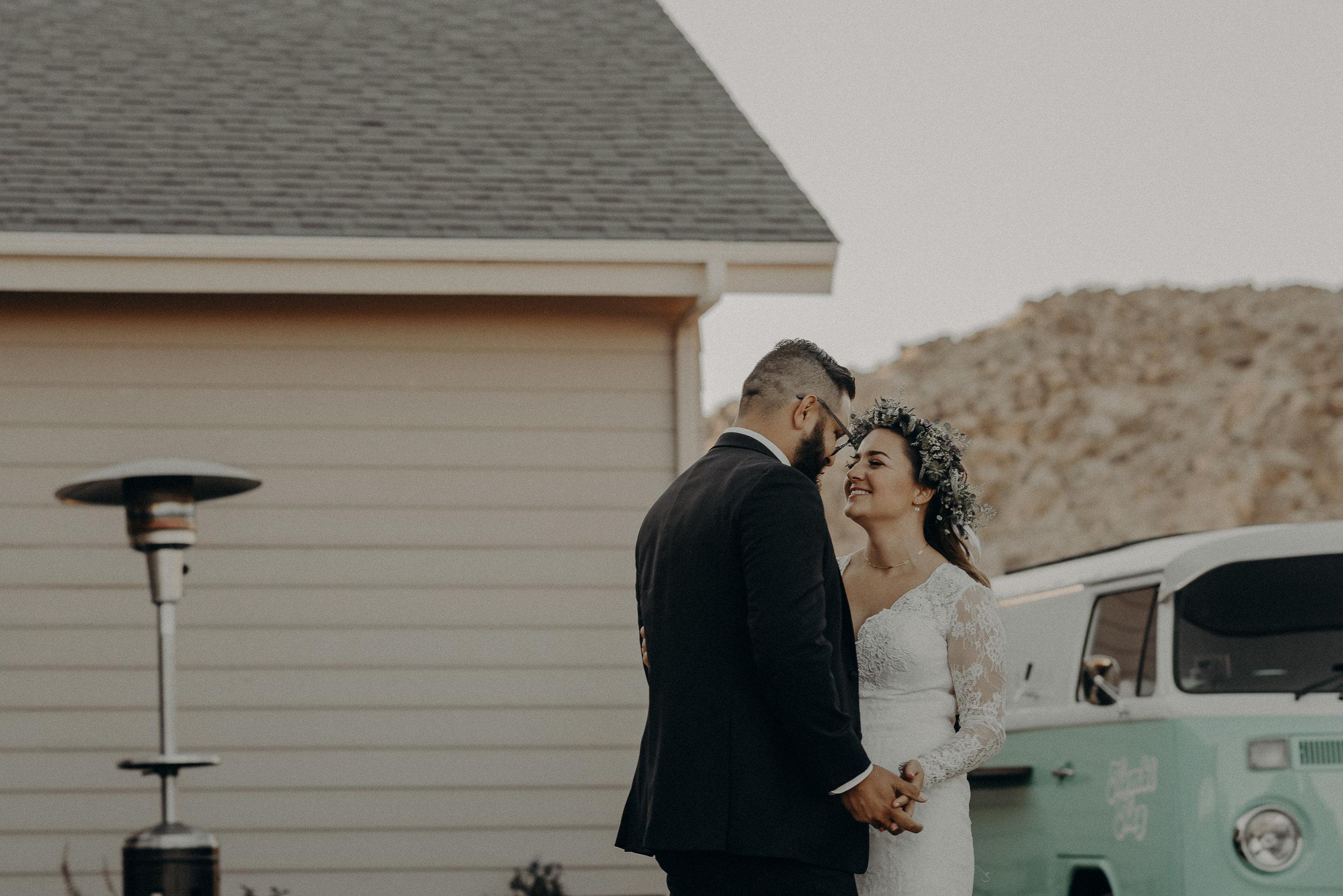 ©Isaiah + Taylor Photography - Joshua Tree Wedding Elopement-118.jpg