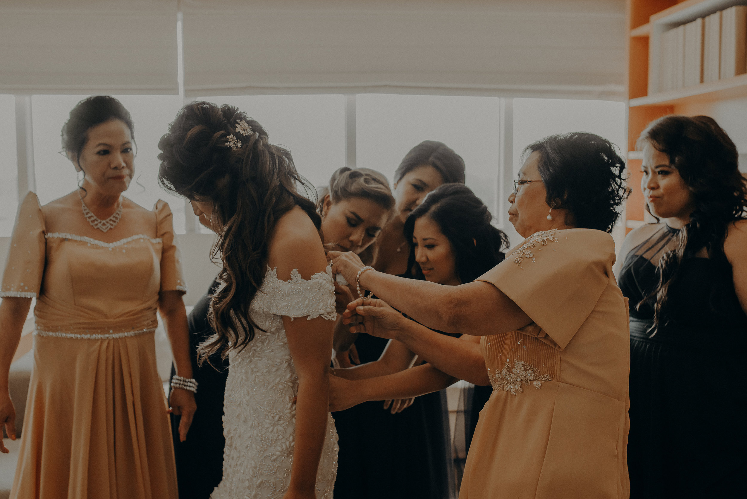 ©Isaiah + Taylor Photography - the Loft on Pine Wedding, Long Beach Wedding Photographer-013.jpg