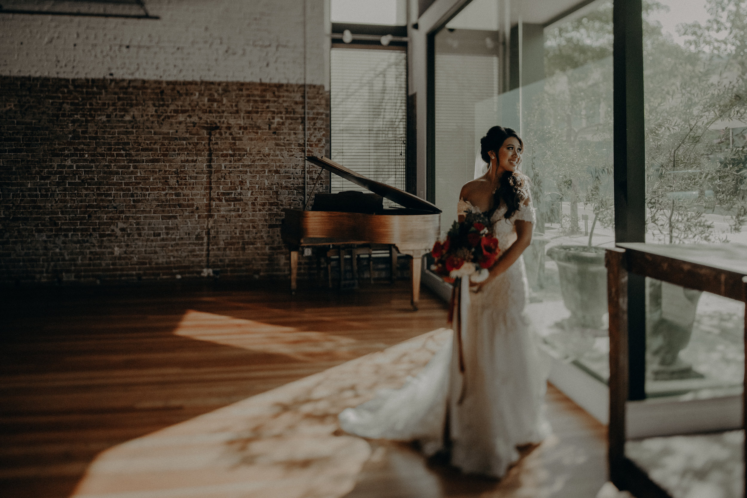 ©Isaiah + Taylor Photography - the Loft on Pine Wedding, Long Beach Wedding Photographer-099.jpg