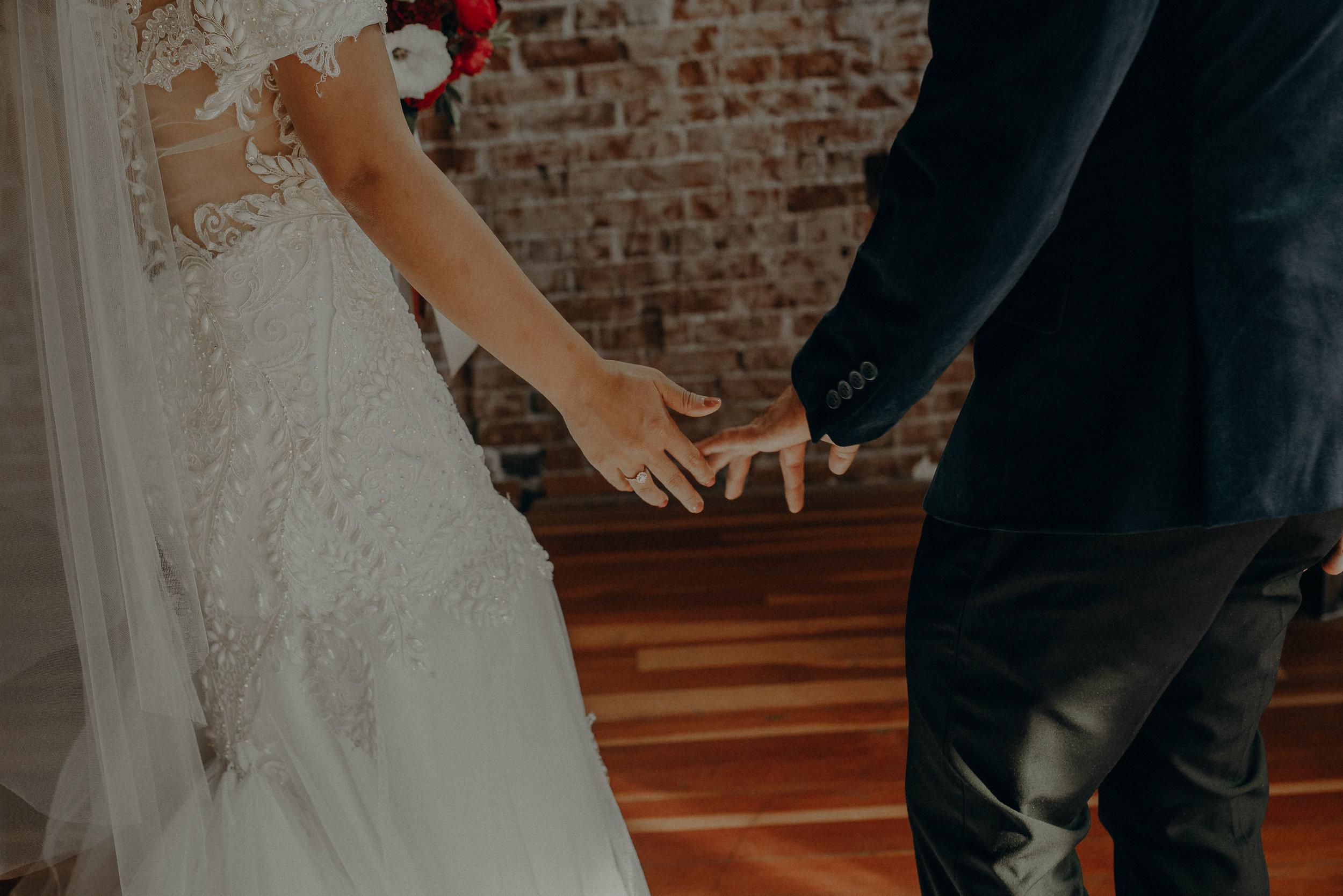 ©Isaiah + Taylor Photography - the Loft on Pine Wedding, Long Beach Wedding Photographer-114.jpg