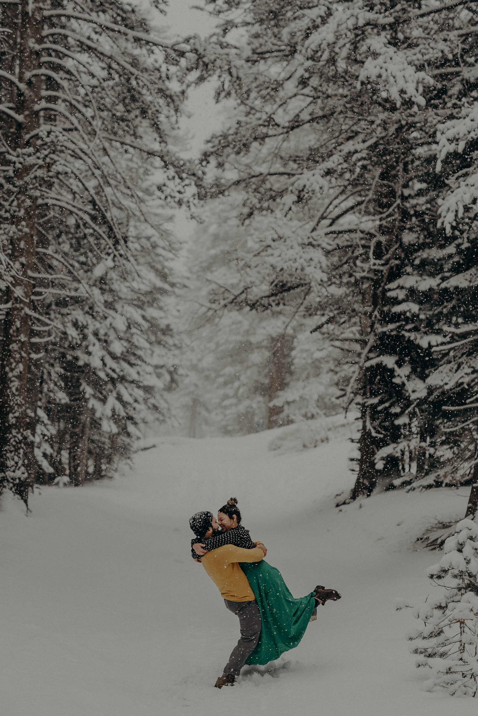 ©Isaiah + Taylor Photography - Los Angeles Wedding Photographer - Snowing engagement session-018.jpg