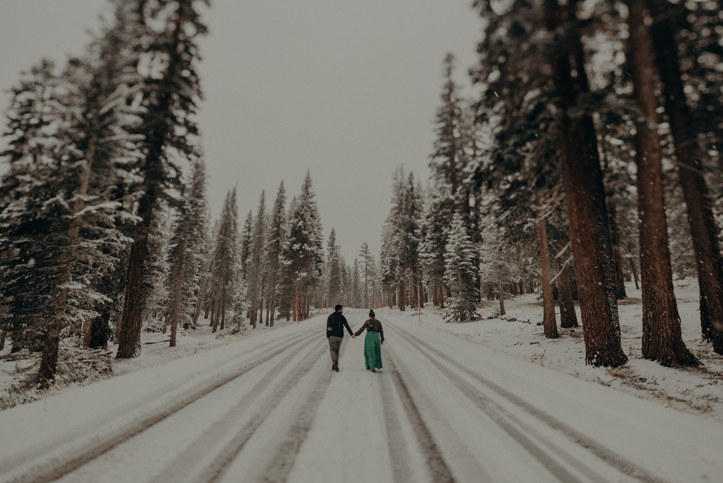 ©Isaiah + Taylor Photography - Los Angeles Wedding Photographer - Snowing engagement session-026.jpg