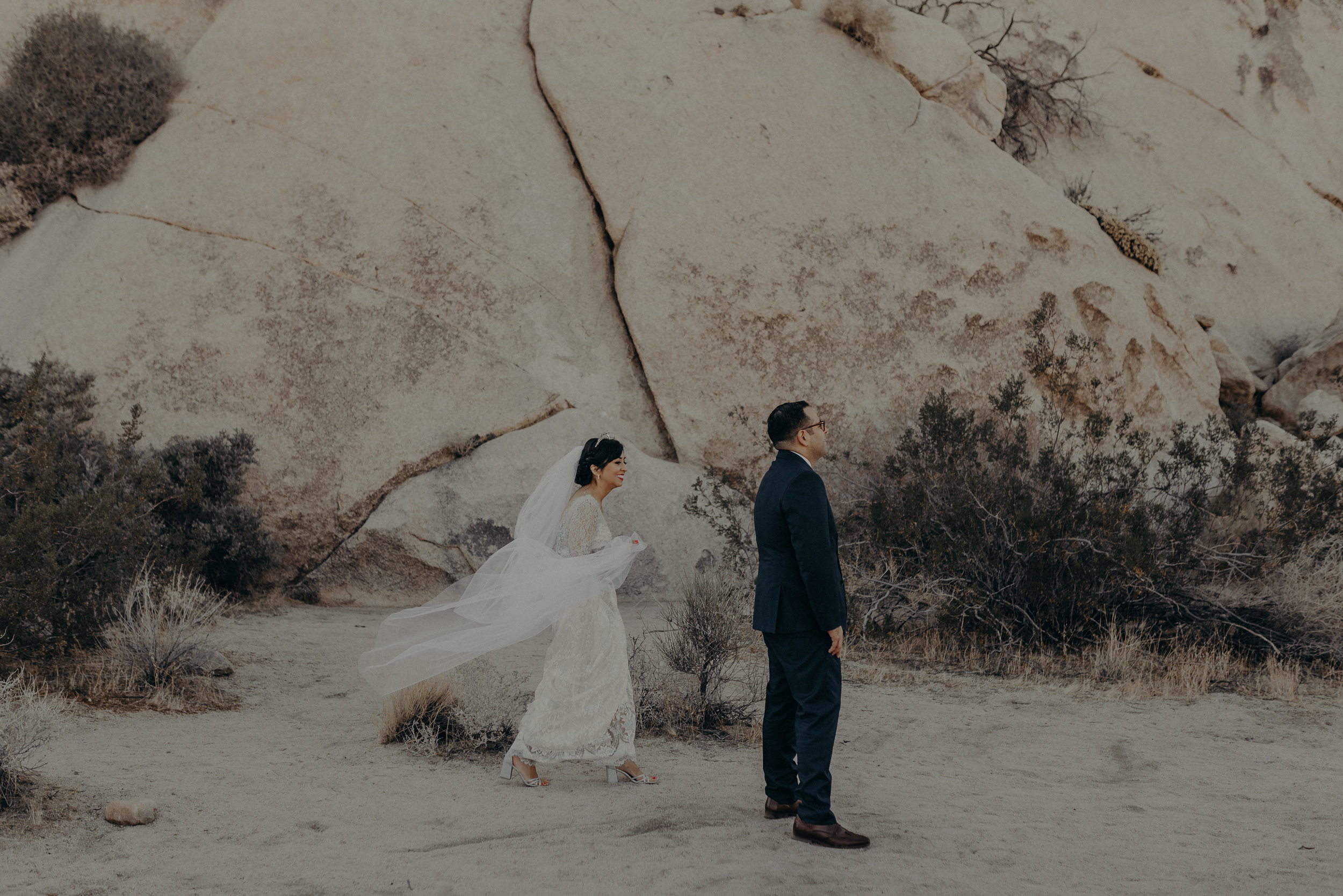 © Isaiah + Taylor Photography - Long Beach Wedding Photographer - Joshua Tree Elopement-056.jpg